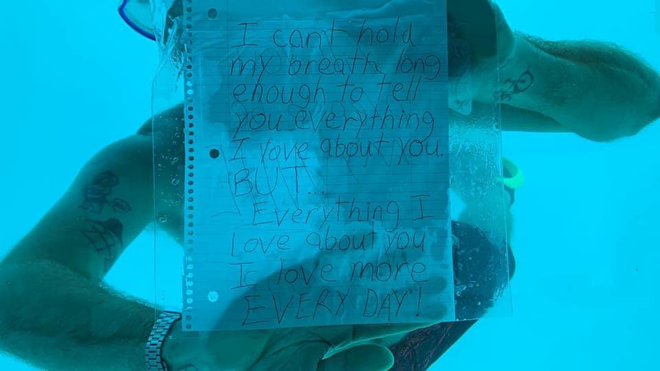 Megfulladt az amerikai férfi, aki víz alá merülve kérte meg barátnője kezét