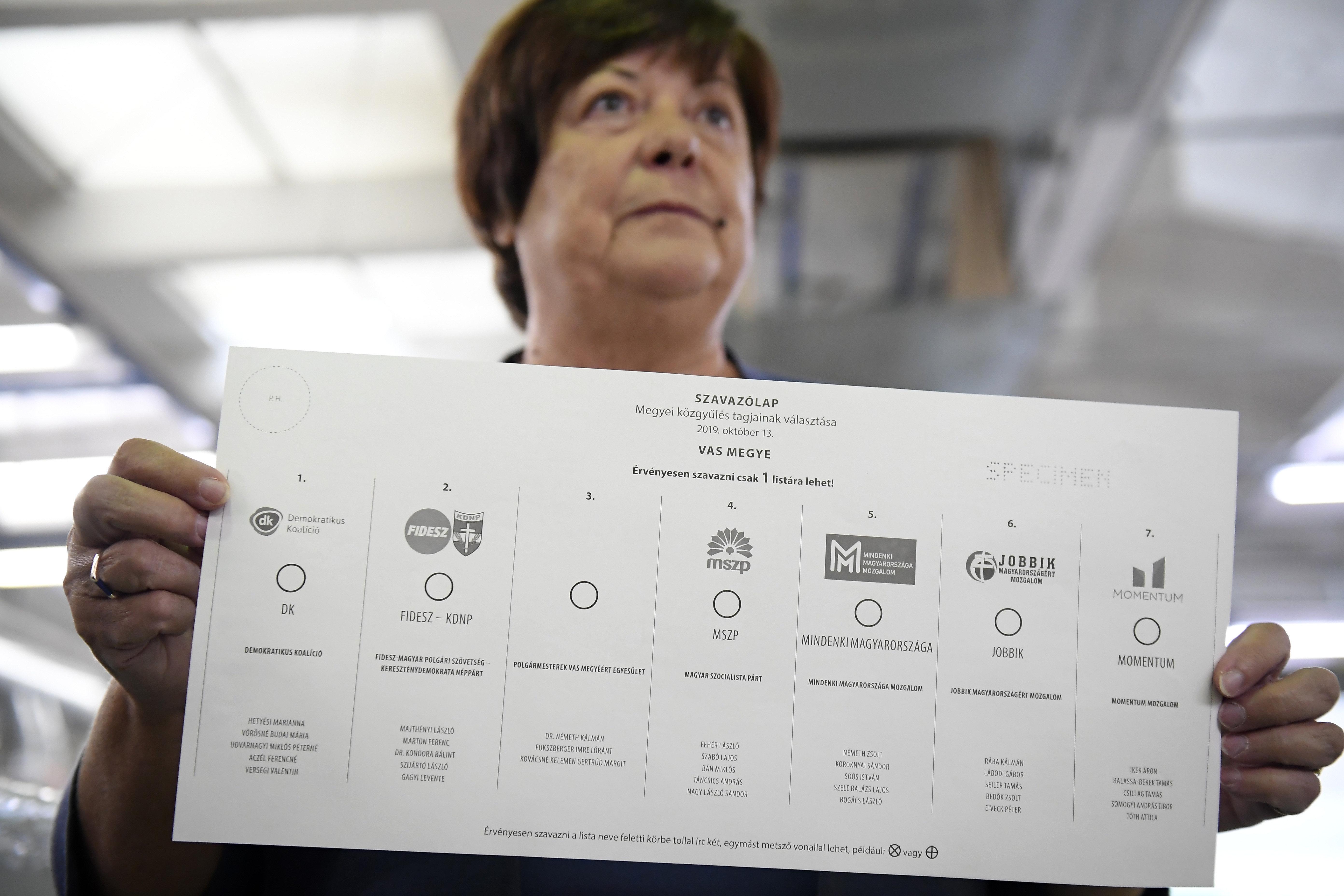 Nemzeti Választási Iroda: Zöld borítékba csak a zöld szavazólapokat tegyék a választók!!!4