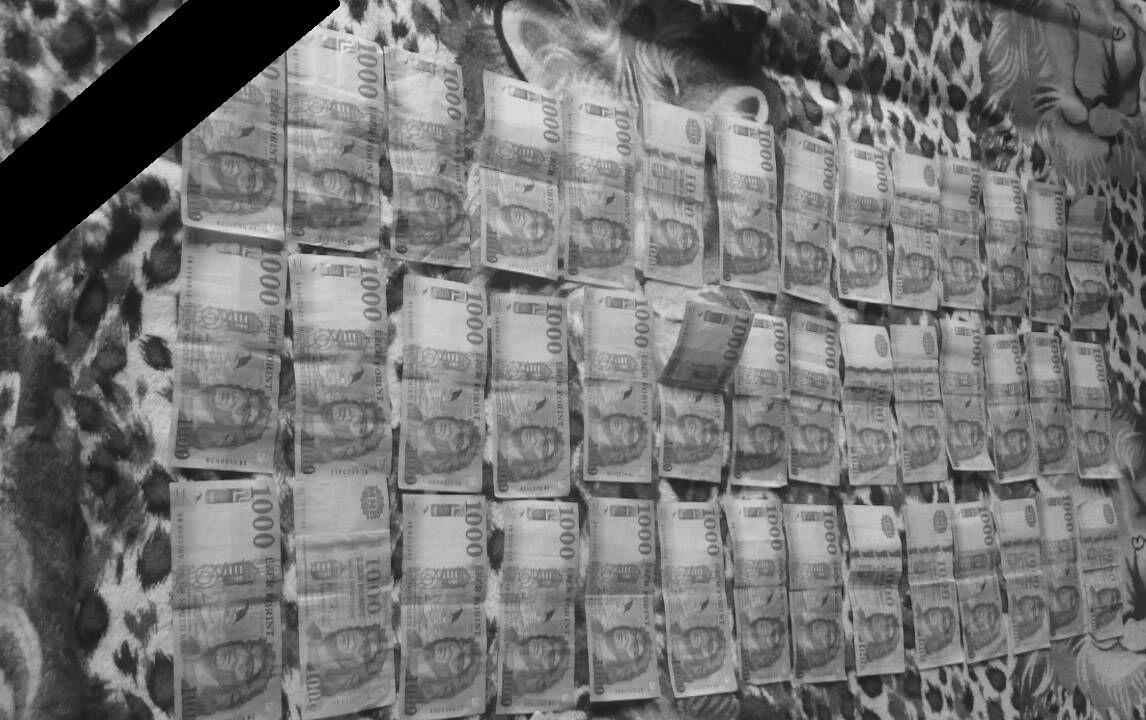 Gyász: 335,41 forintot ért egy euró