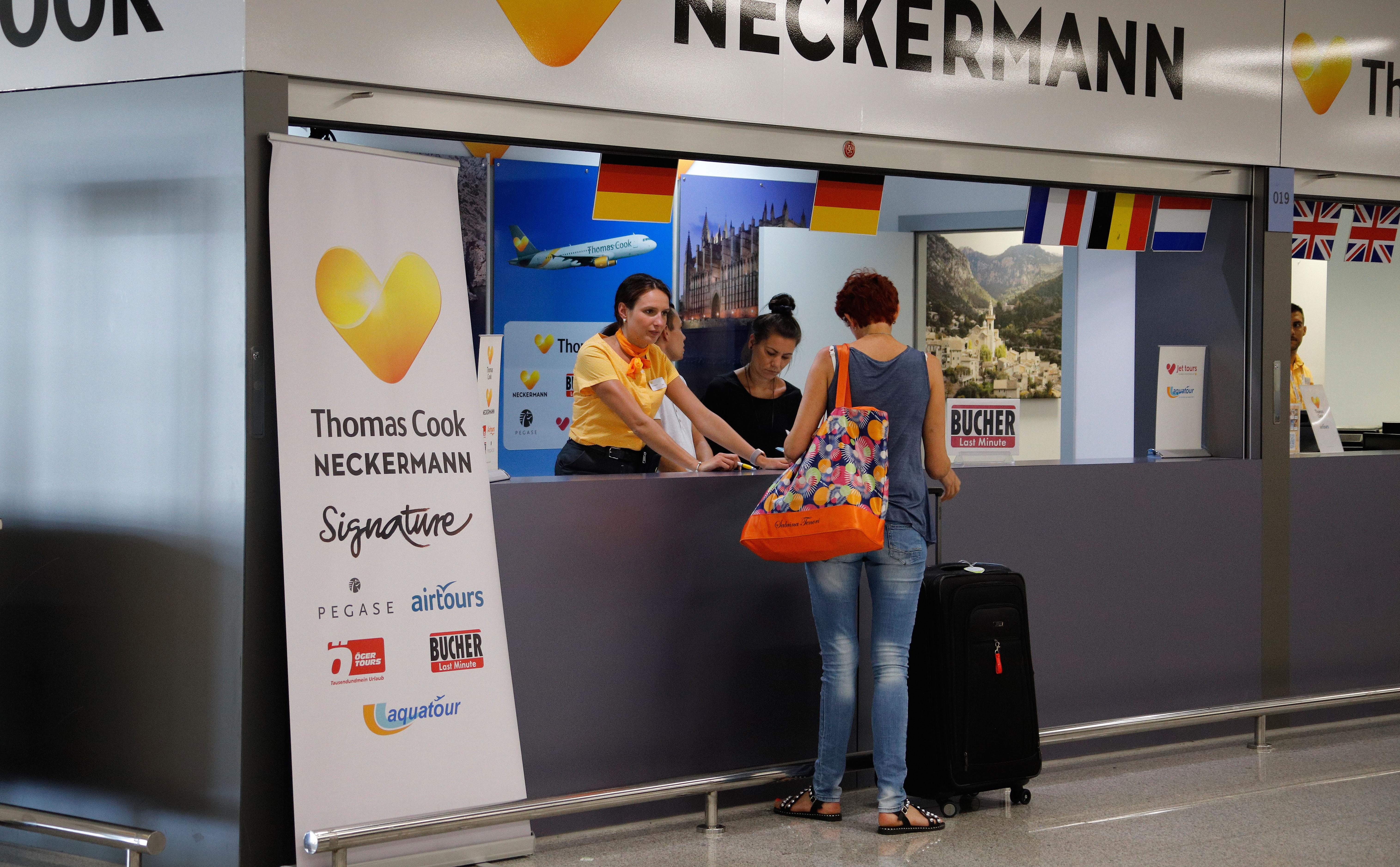 3 ezer lengyel ragadt külföldön a Neckermann csődje miatt