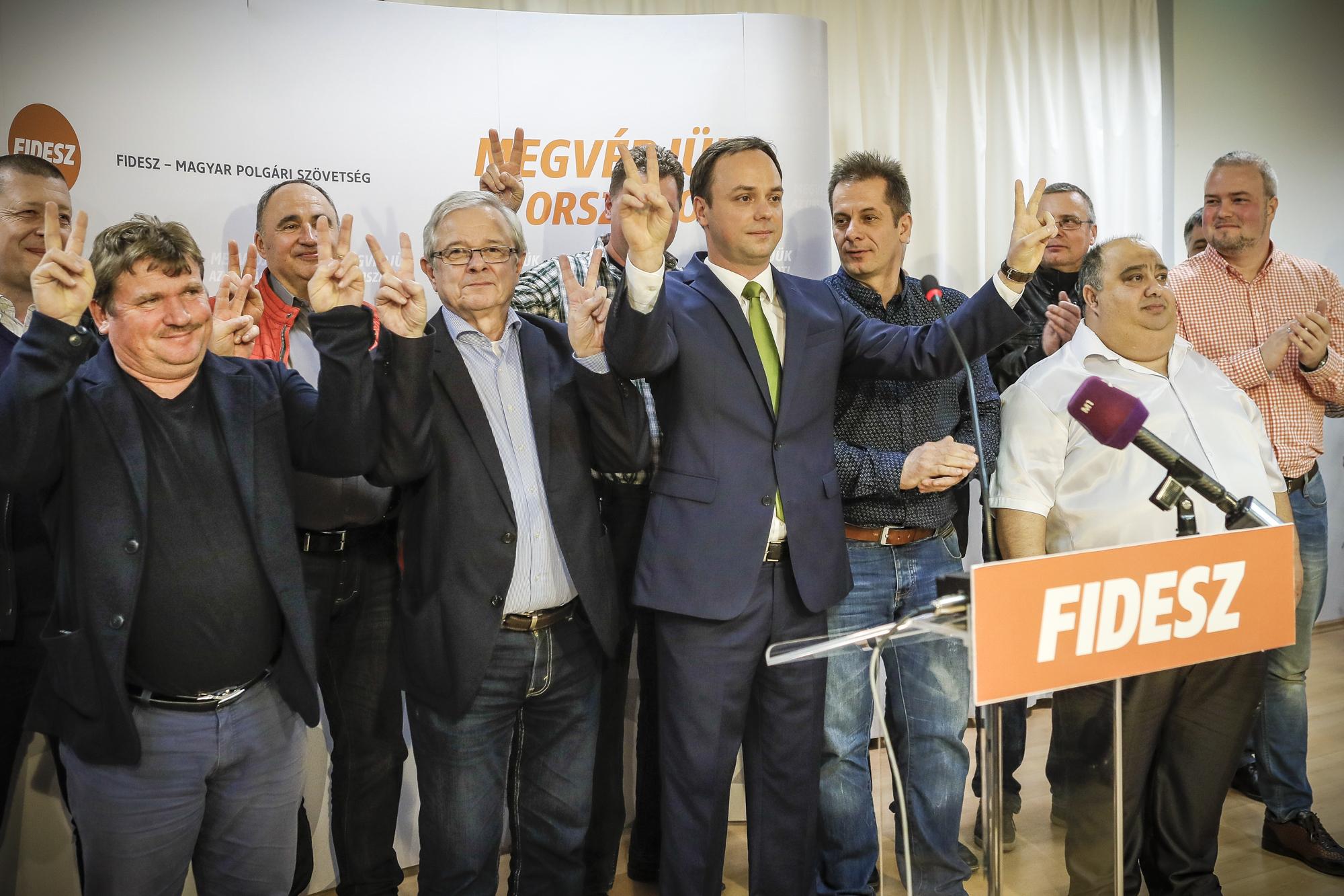 Egri fideszesek EU-s pénzen vettek maguknak lakásokat és irodákat