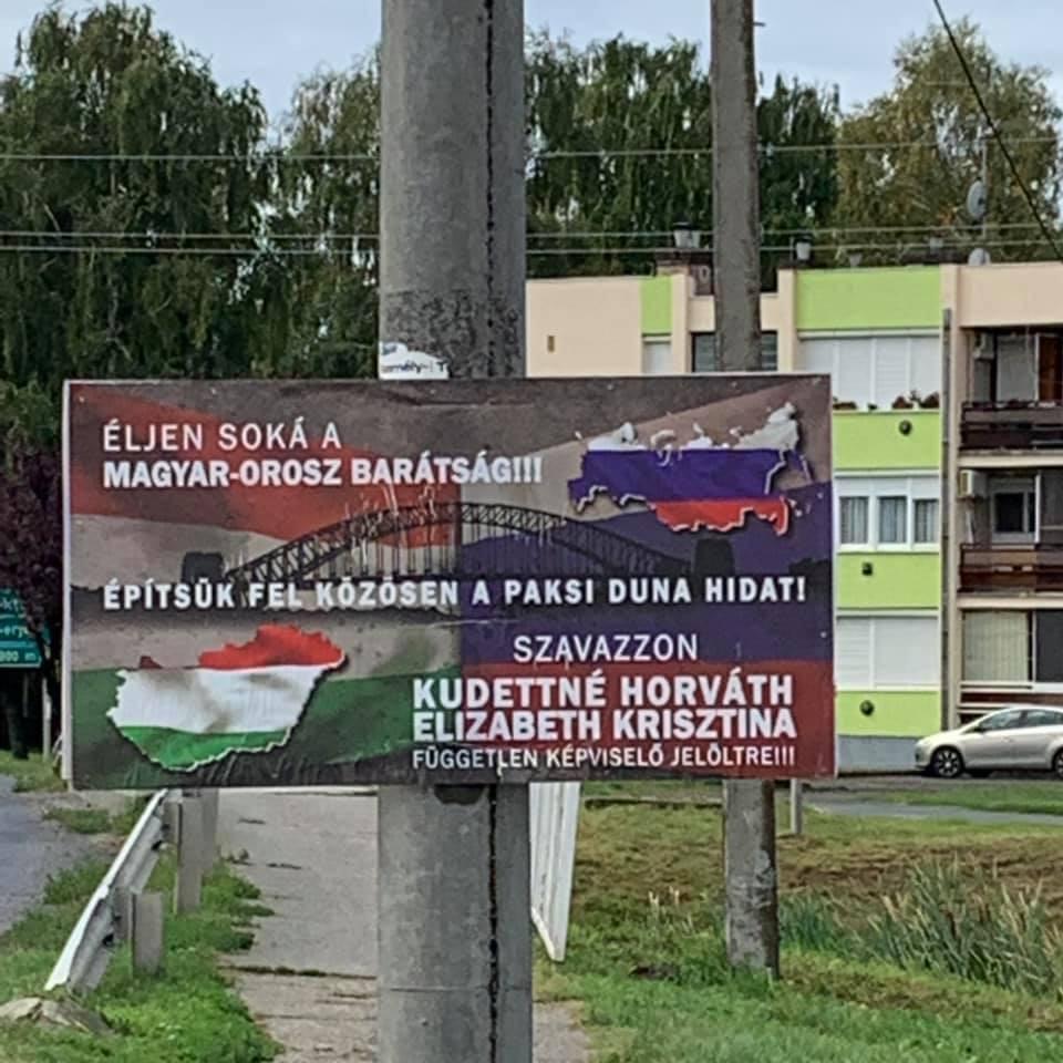 Lenyűgöző plakáttal és a megbonthatatlan orosz-magyar barátság programjával indul egy jelölt Kalocsán