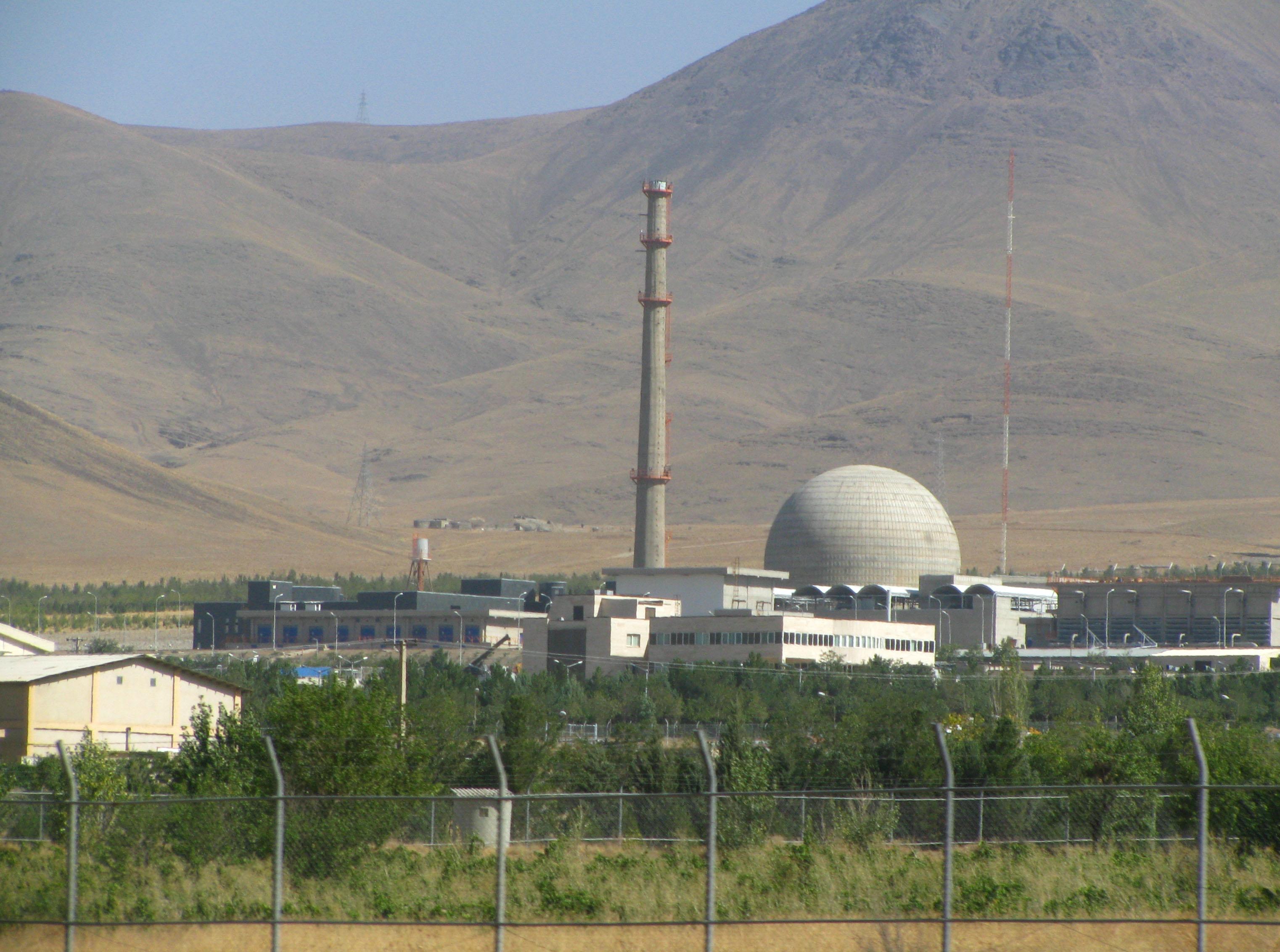 Most már az EU is arra figyelmezteti Iránt, hogy kénytelen lesz felmondani az atomalkut