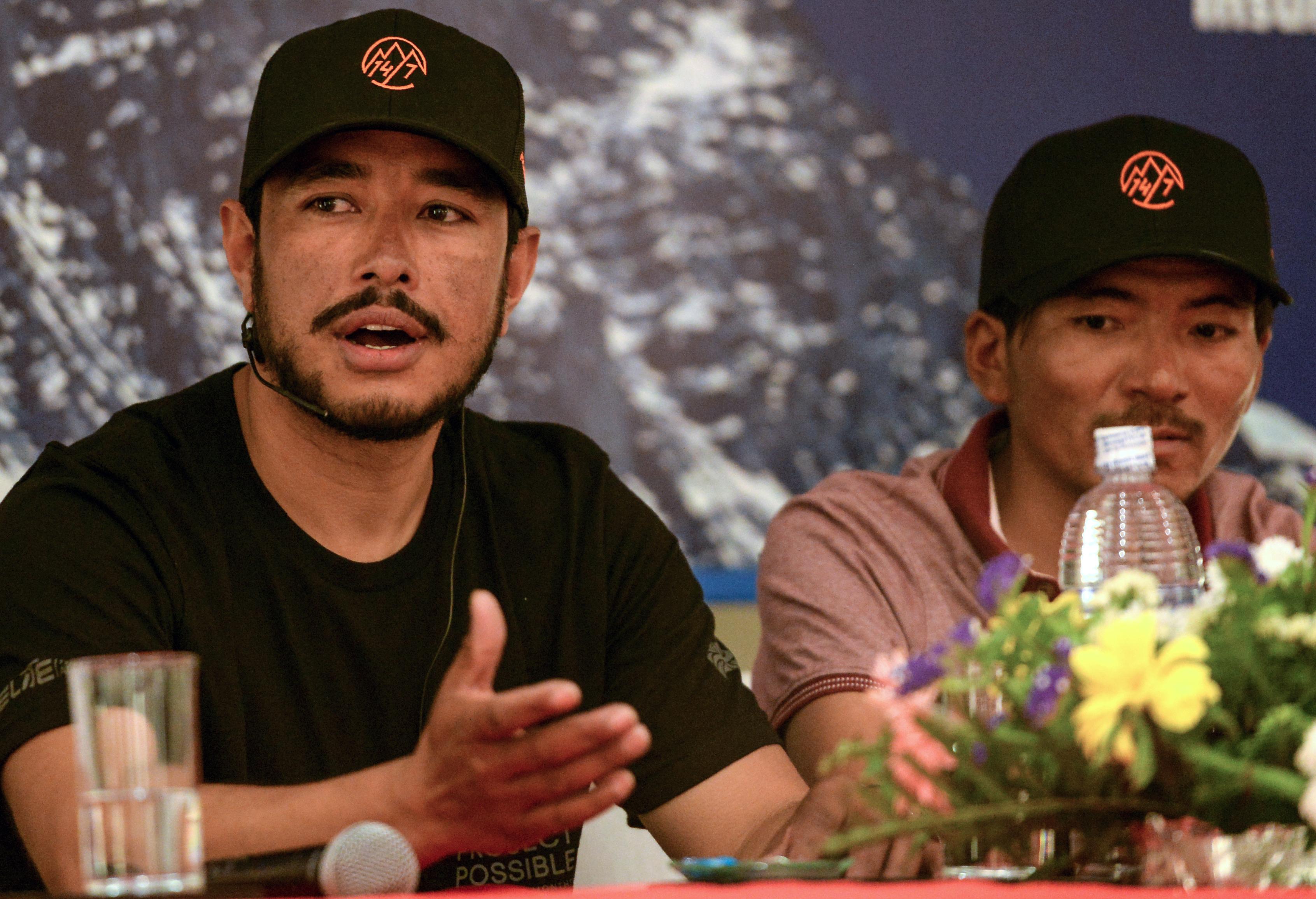 Már 13 csúcsot megmászott a nepáli hegymászó, de az utolsónál a kínai hatóságok az útjába álltak