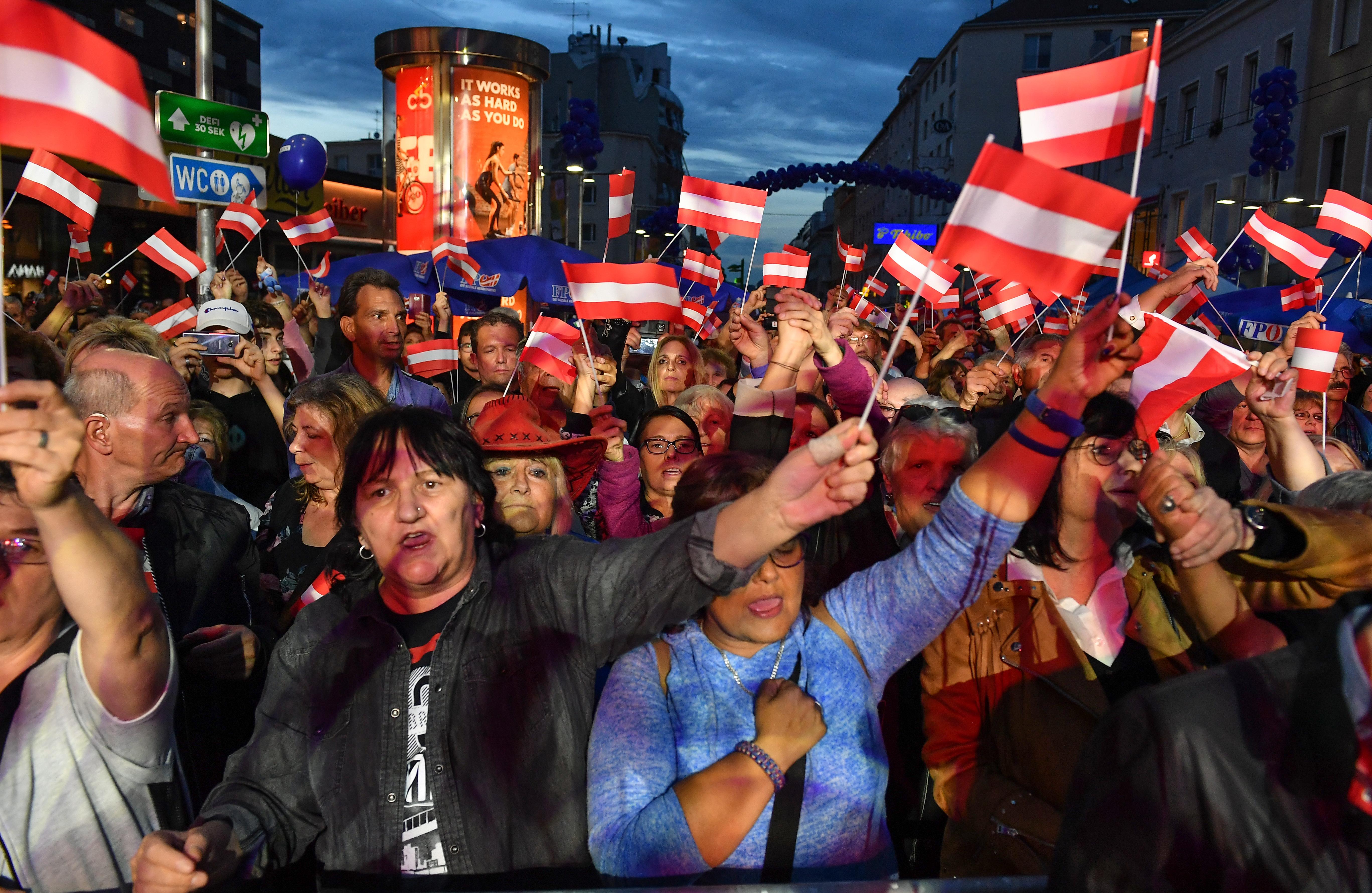 Ausztriában előrehozott választást tartanak