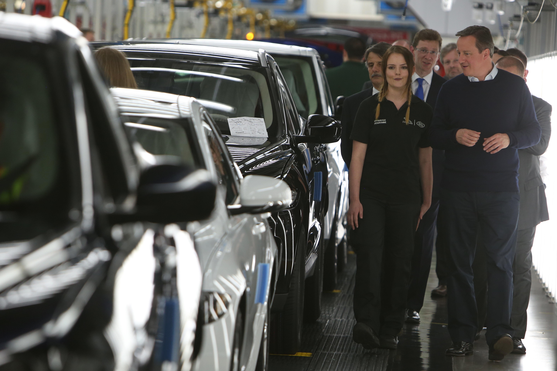 A Jaguar egy hétre leállítja három brit gyárát a brexit után