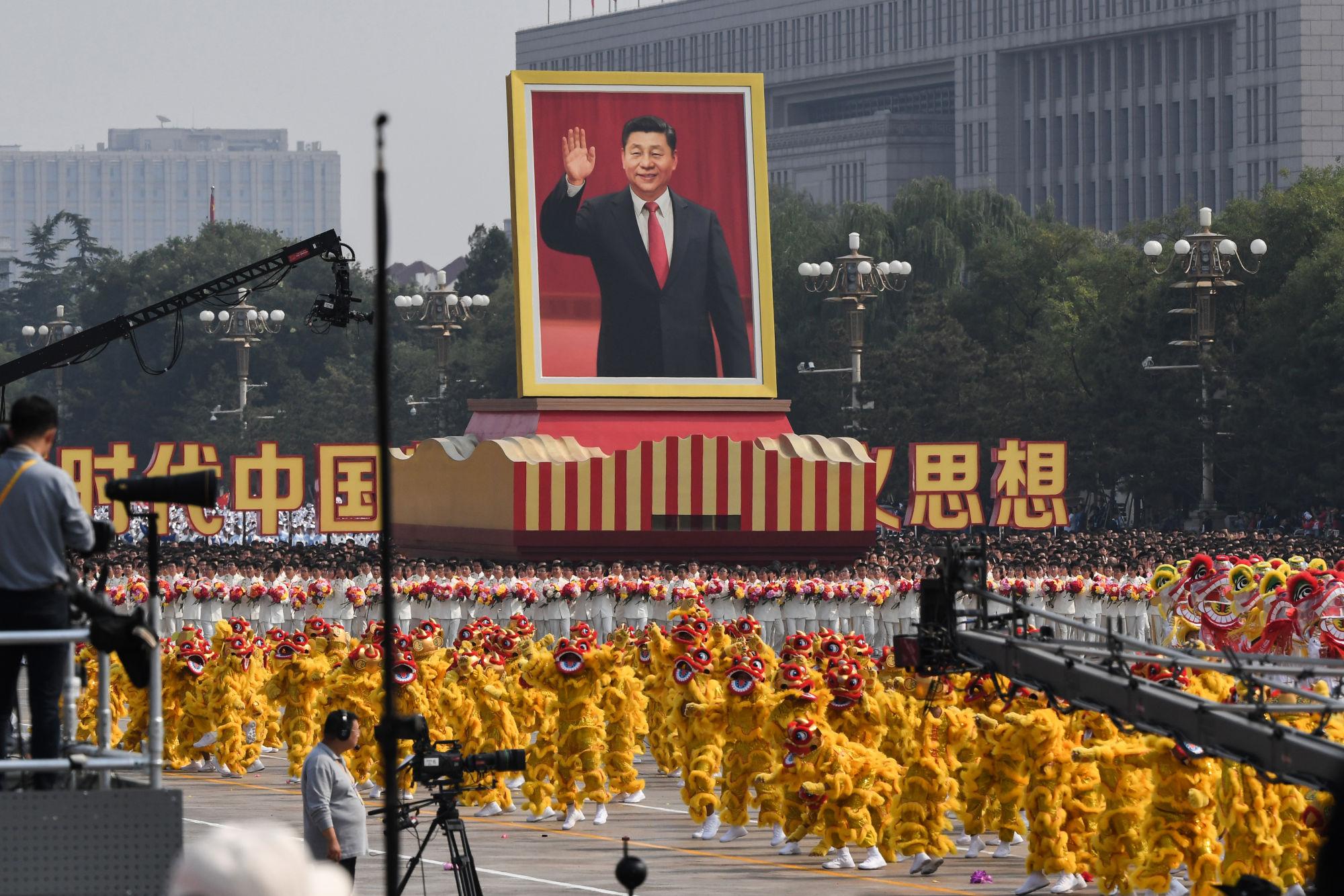 620 ezer tévét osztottak szét Kínában, hogy minél többen lássák a katonai parádét