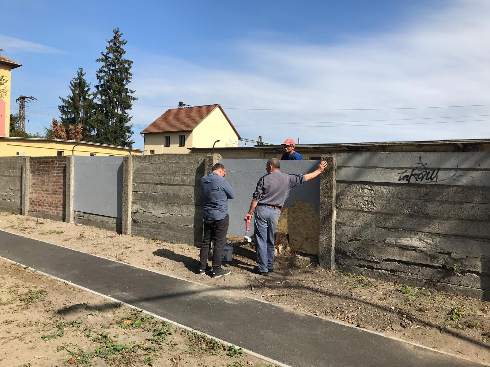 A kecskeméti vasútállomáson 3 zseni feltalálta a Magyar Betont