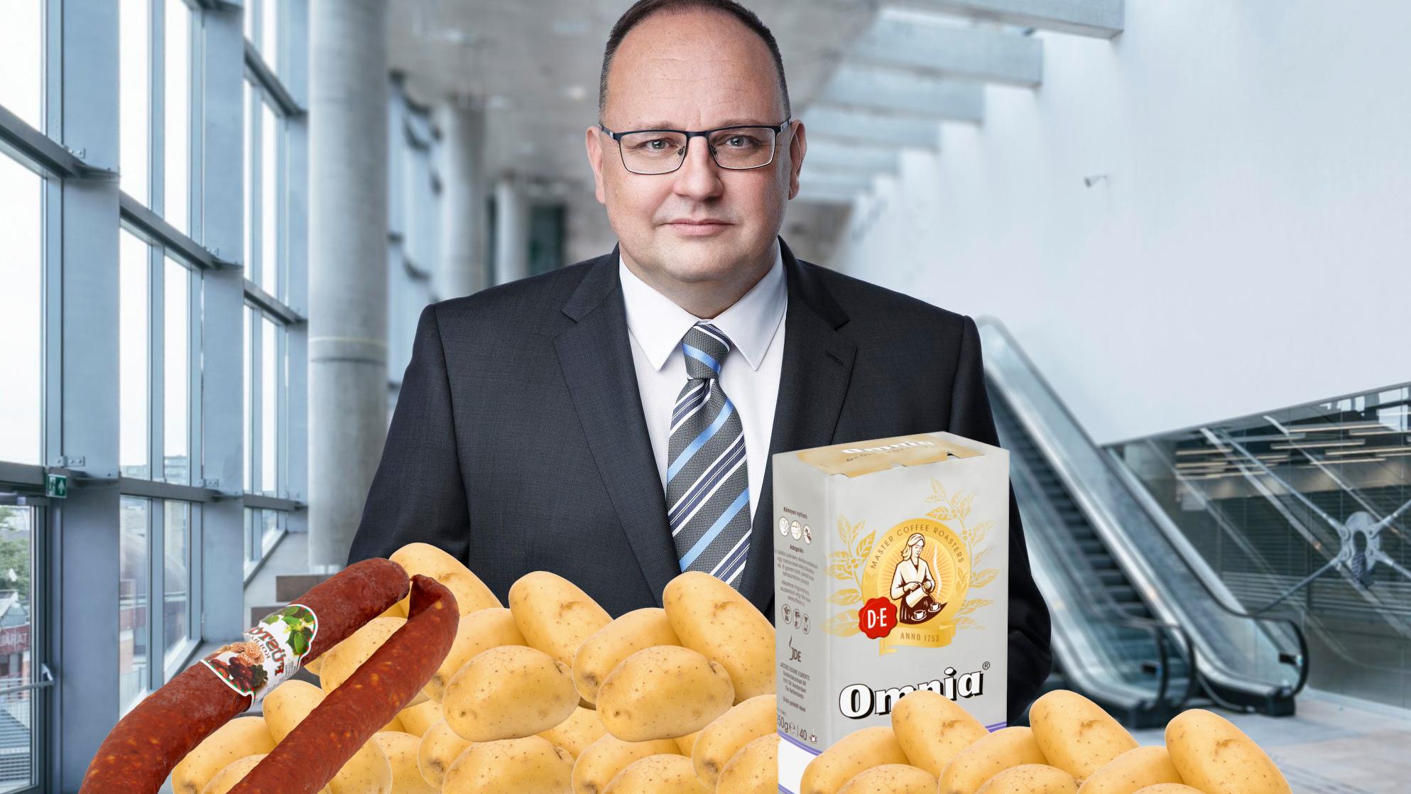 Újpesti nyugdíjascsomag: 10 kiló krumpli, kávé, tea, méz, kolbász