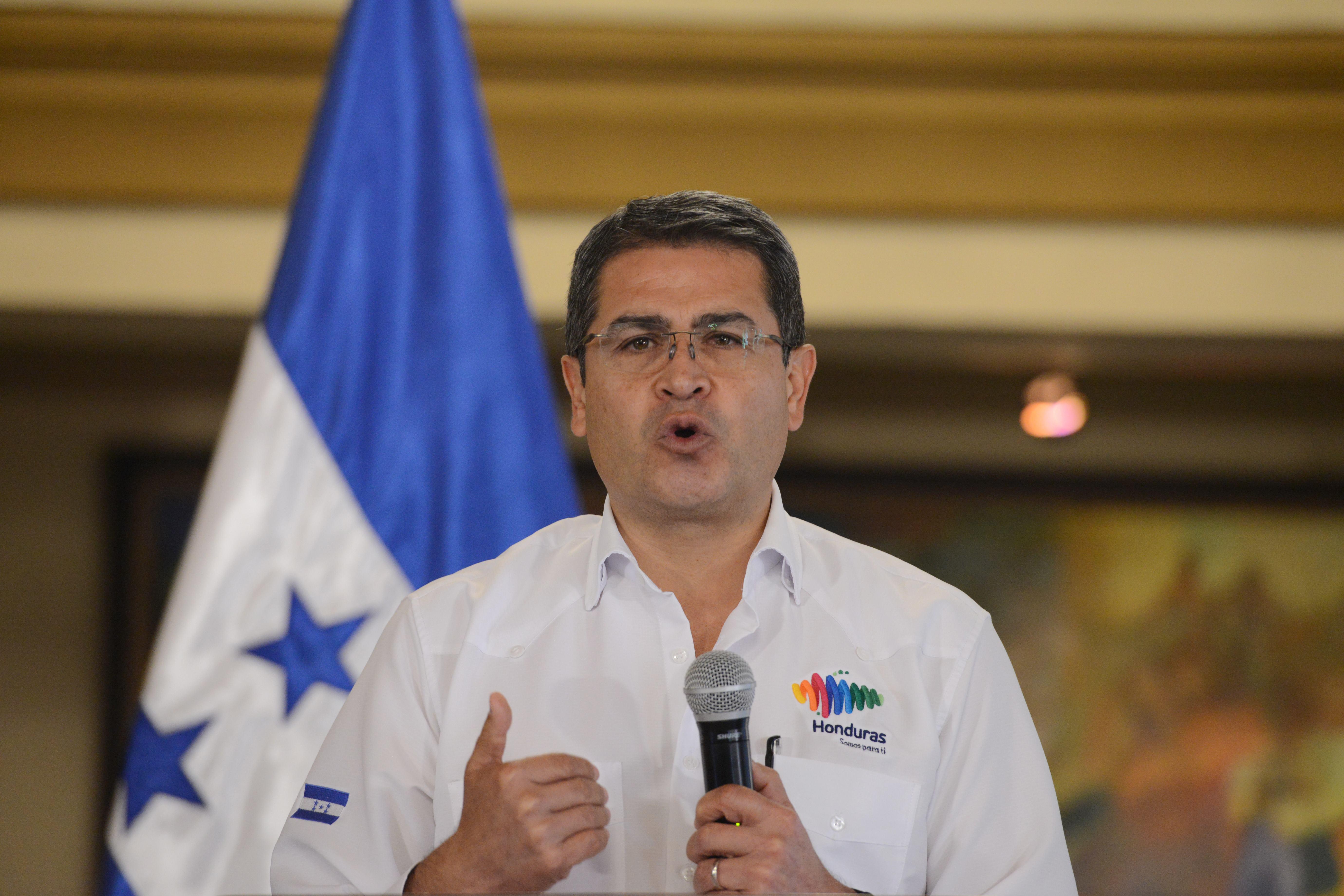 Honduras elnöke koronavírusos