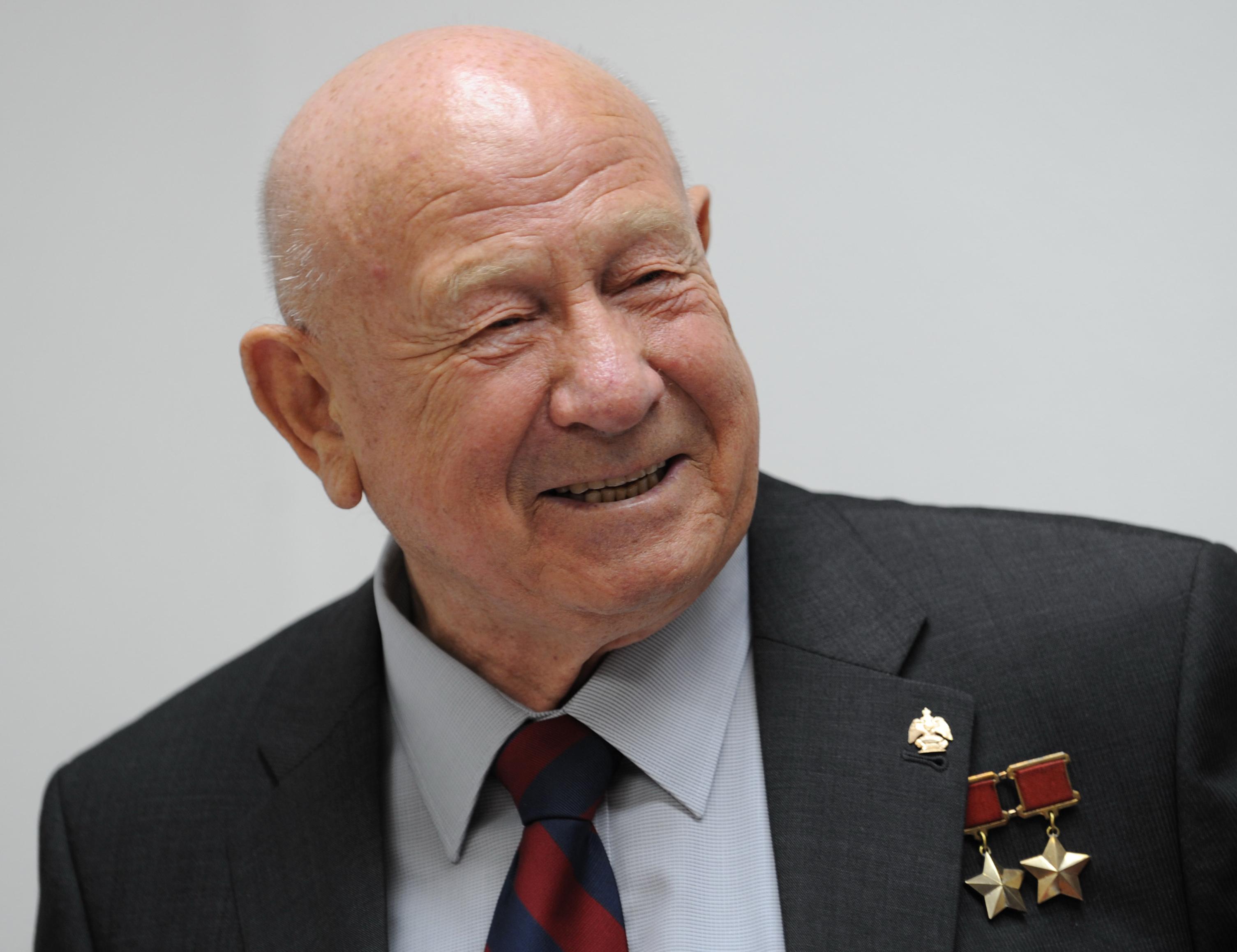 Meghalt Alekszej Leonov, az első űrhajós, aki kilépett a világűrbe