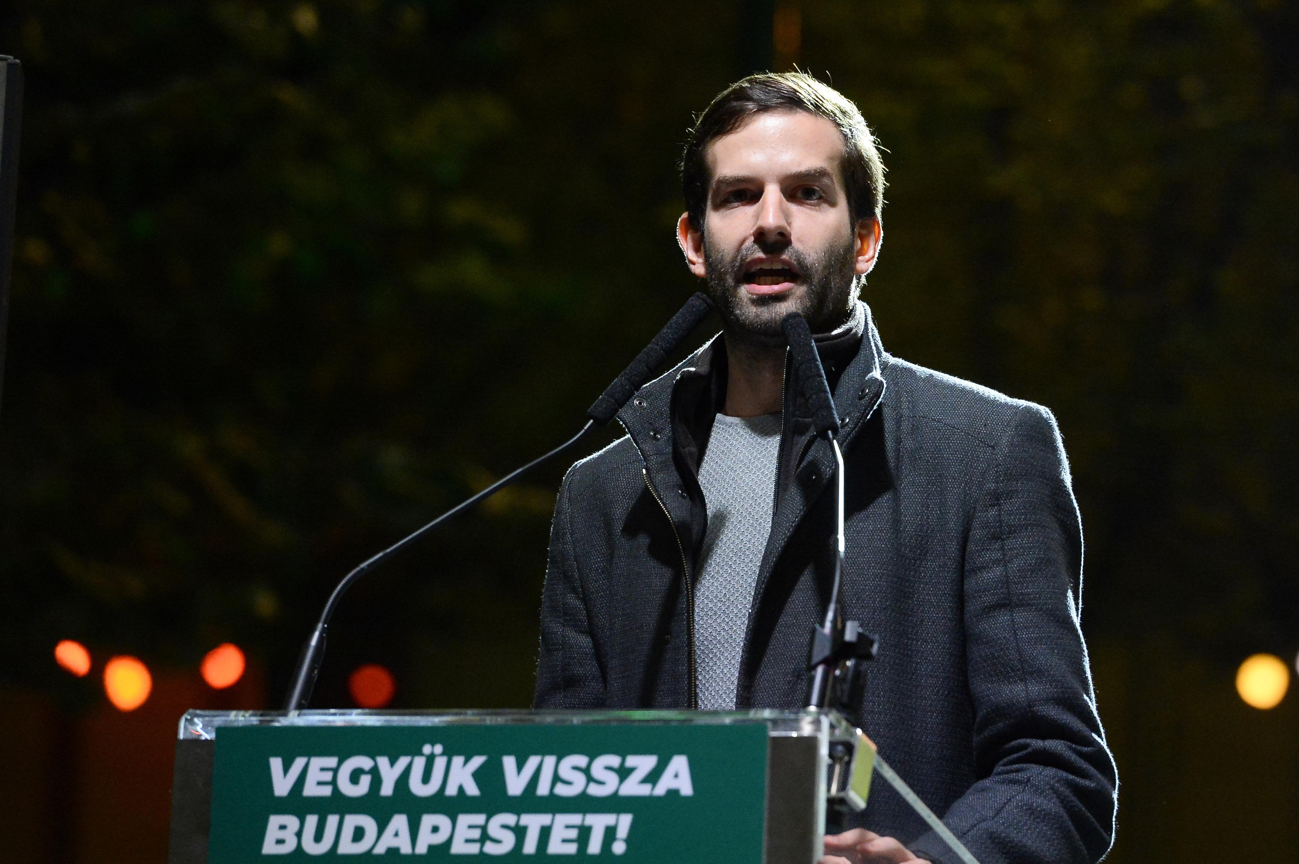 Fekete-Győr Botkával, Hadházyval és Széllel közösen vágna neki 2022-nek
