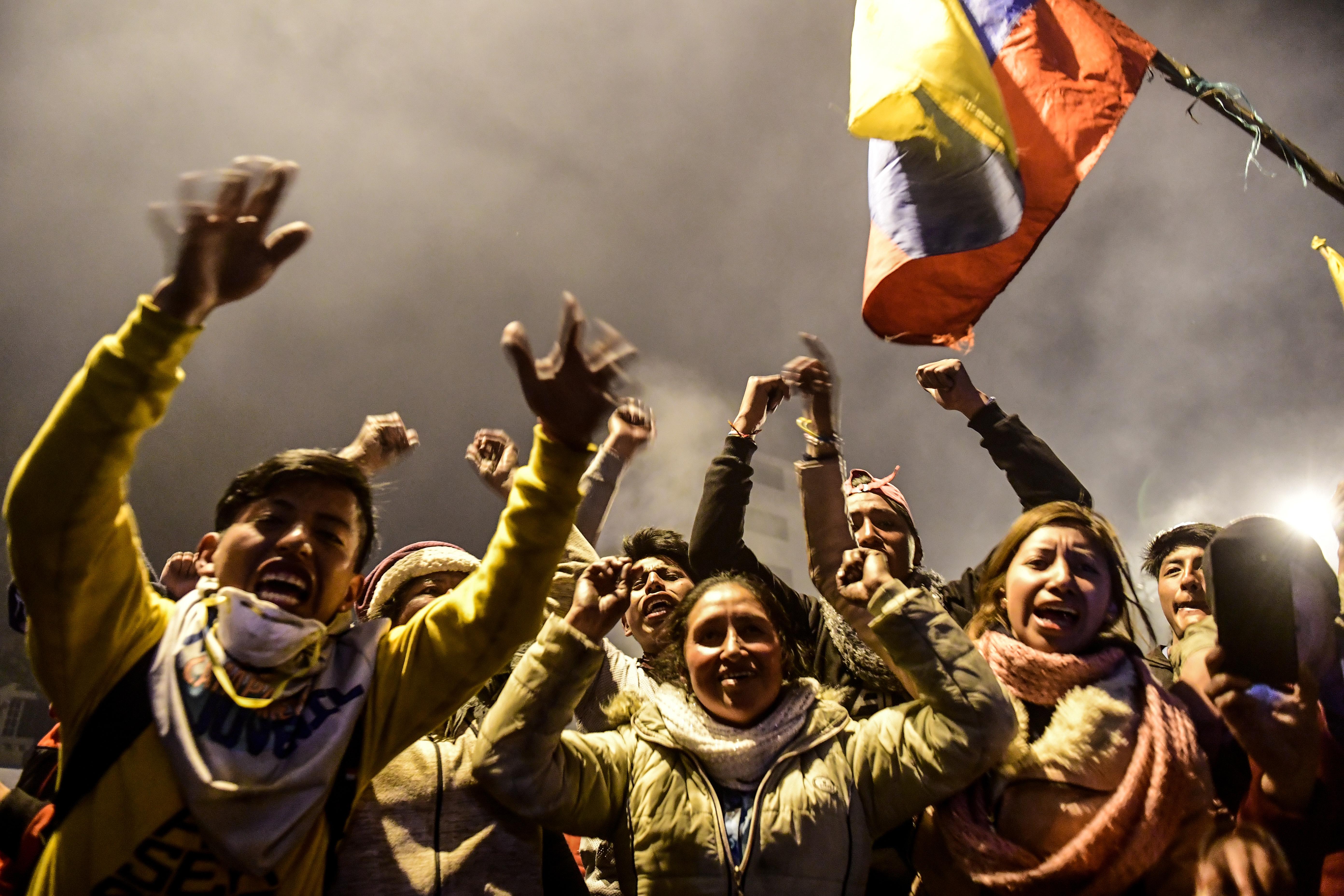 A tüntetések hatására meghátrált az ecuadori kormány