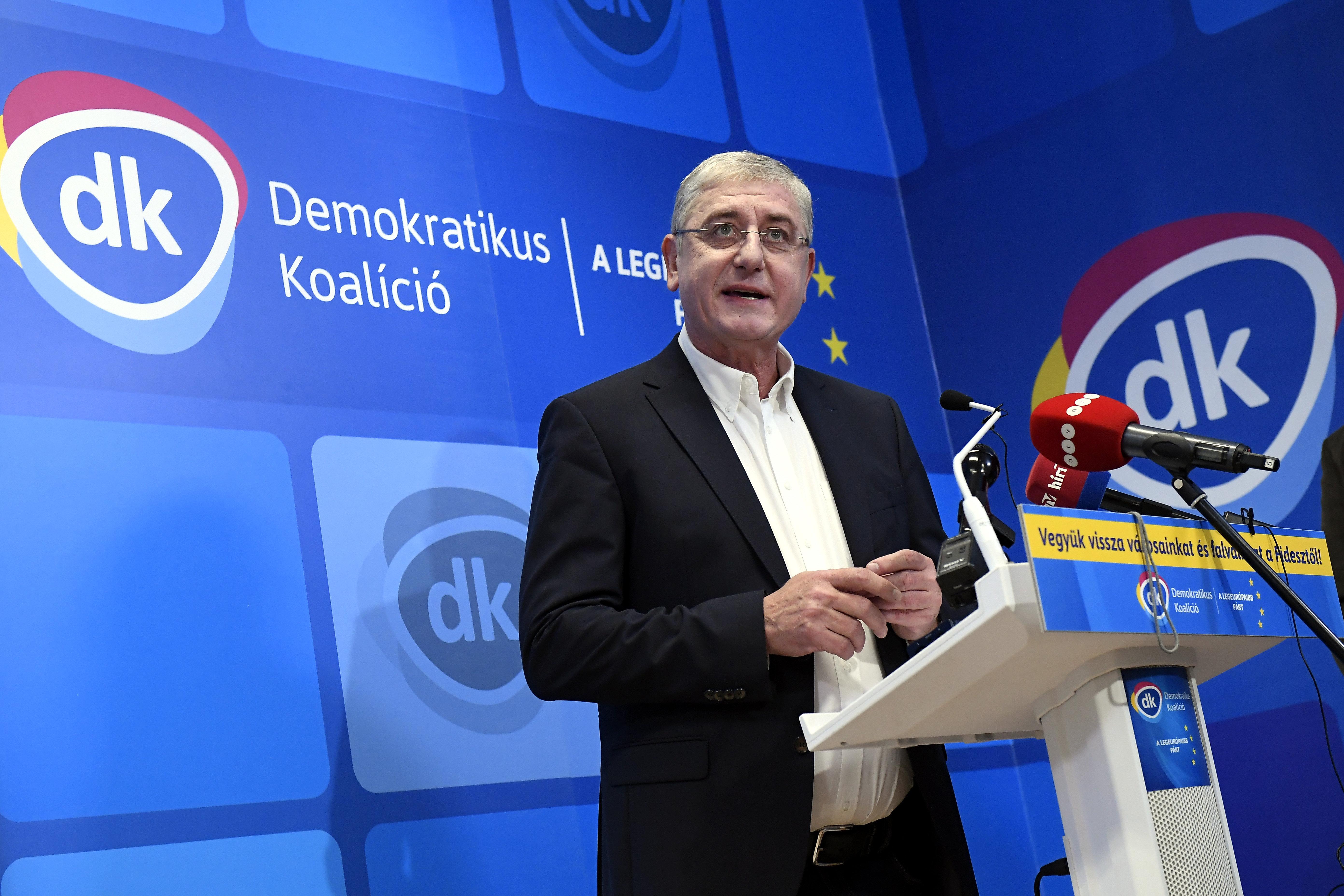 Két MSZP-s budapesti polgármester is a DK-ba igazolt át