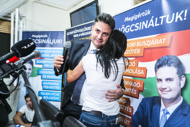 Önkormányzati helyiségeket adna ki esküvőkre Márki-Zay Péter, hogy a násznép kicselezhesse a 11 órás nyitvatartási korlátot