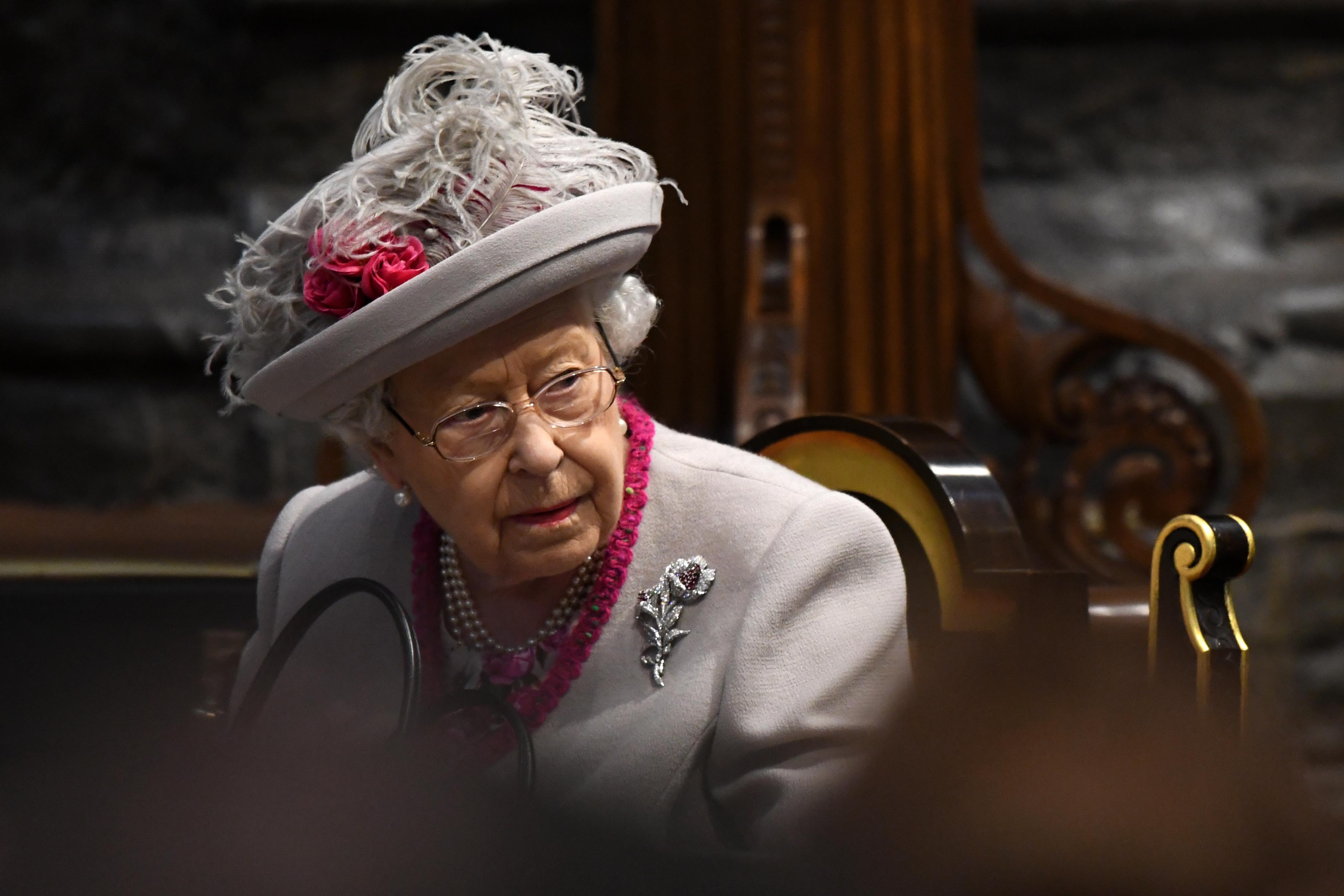 Guardian: színes bőrű ember nem lehetett hivatalnok II. Erzsébet  királynő udvarában