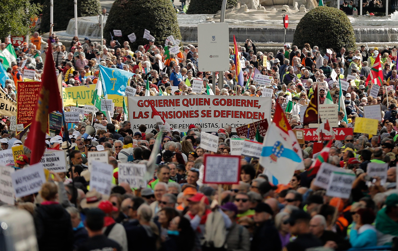 Több száz kilométert gyalogoltak spanyol nyugdíjasok, hogy így követeljenek méltó időskori ellátást