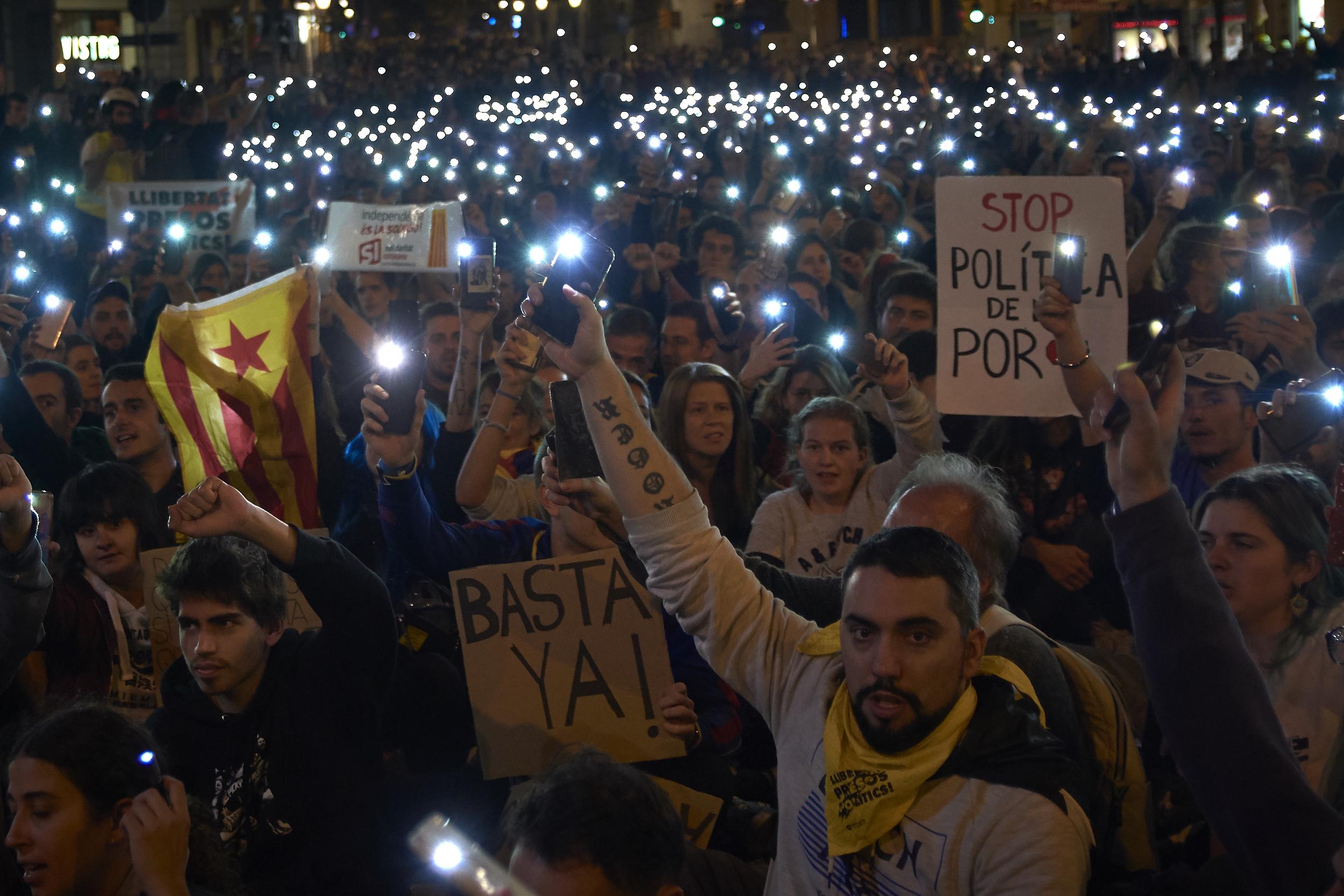Telefonos alkalmazással építene titkos, könnyen mozgósítható sereget a katalán Demokrácia Cunami