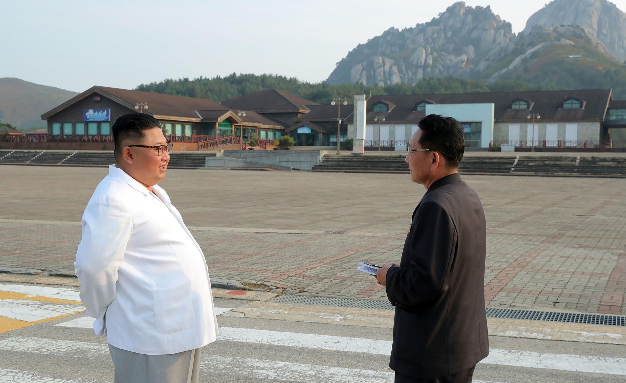 Kim Dzsongun leromboltatja a dél-koreaiak szállodáit
