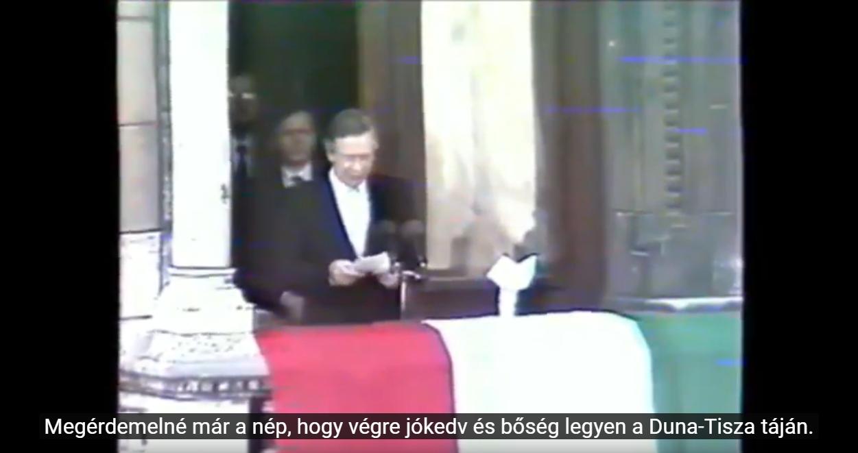Az egész világ a kommunizmussal szakító Magyarországra figyelt, amikor 30 éve kikiáltotta a köztársaságot Szűrös Mátyás