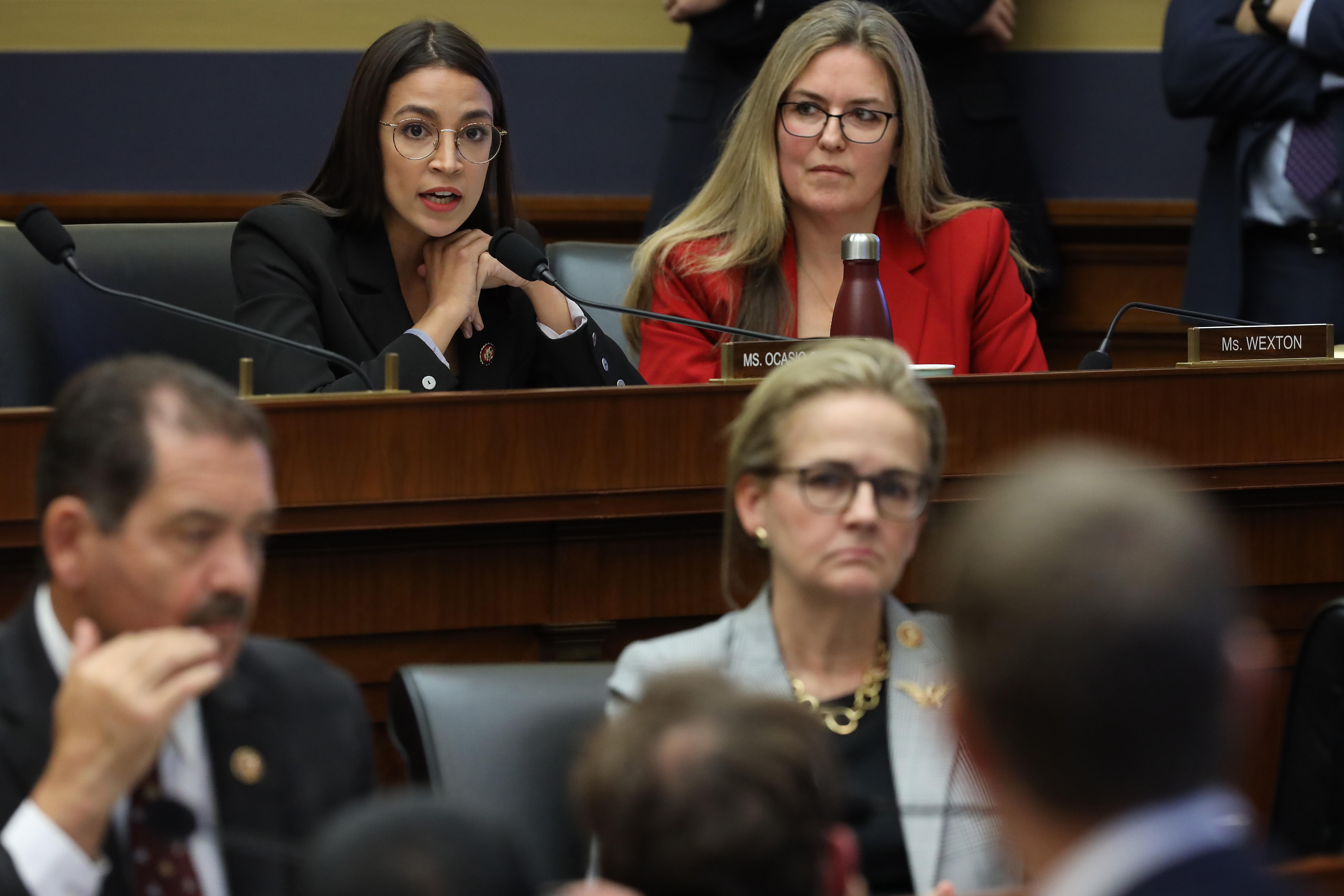 Mekkorát hazudhat egy politikus fizetett Facebook-hirdetésben?