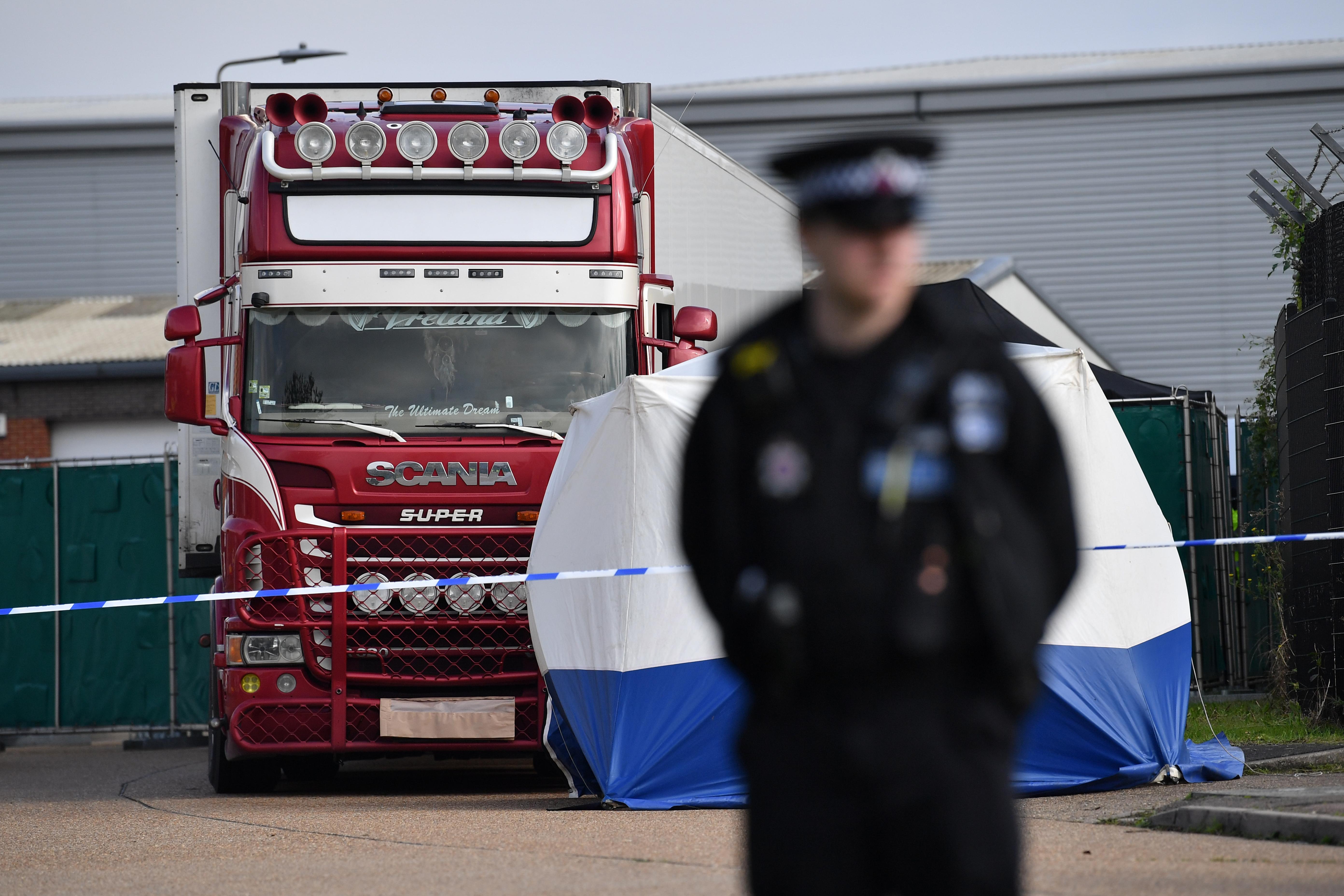39 rendbeli emberöléssel vádolták meg brit halálkamion vezetőjét