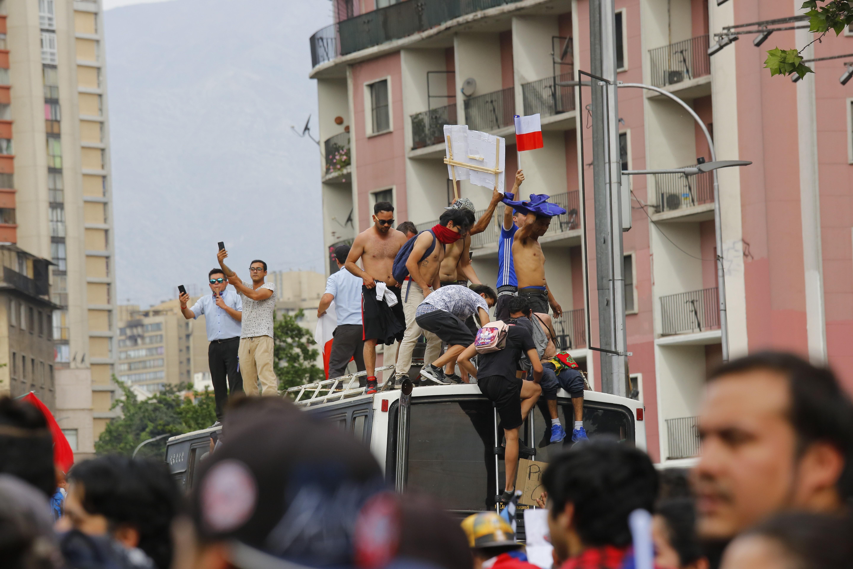 Milliós tüntetés volt Chile fővárosában