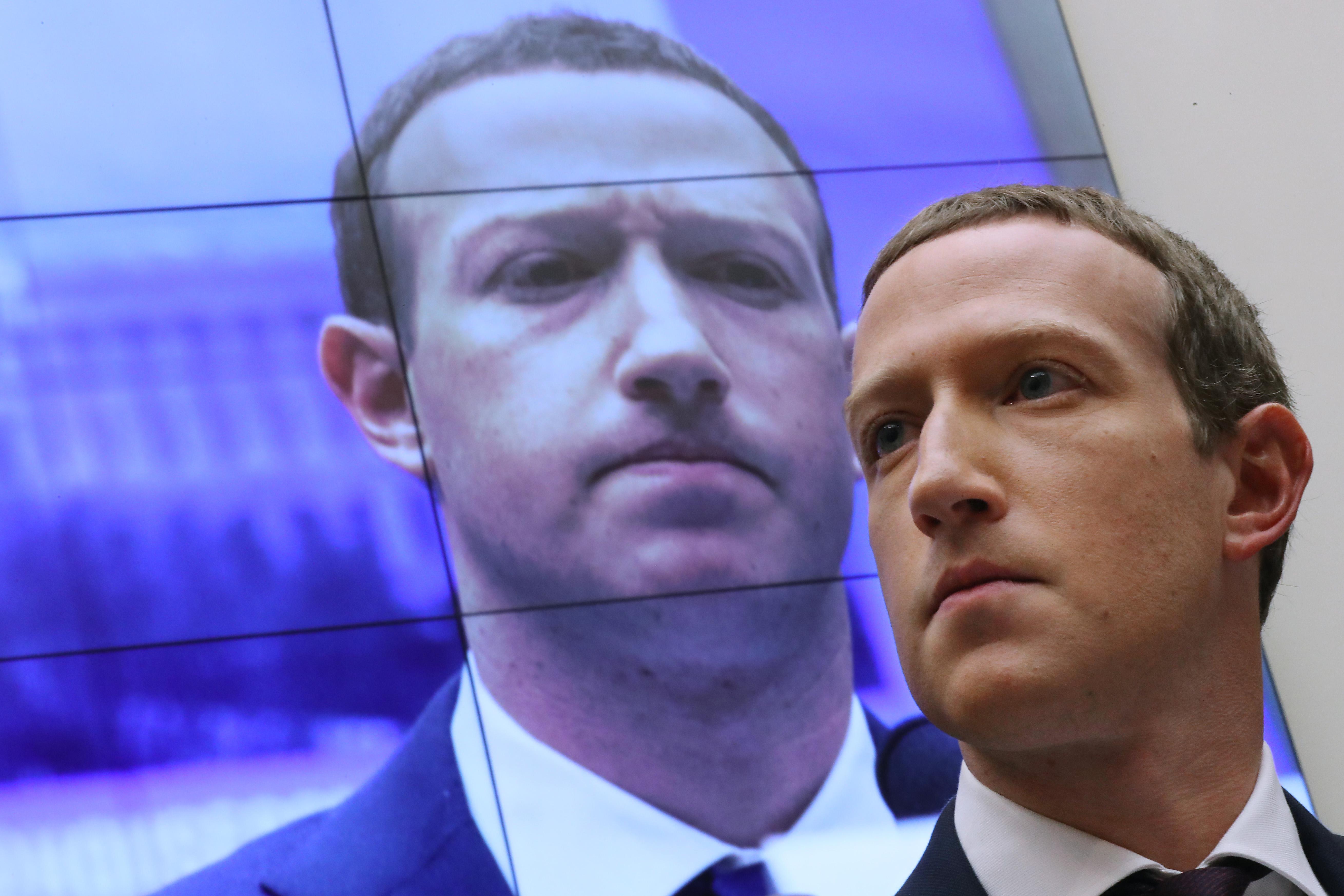 Többmilliós elitklubot hozott létre a Facebook olyan felhasználókból, akiket alig moderált