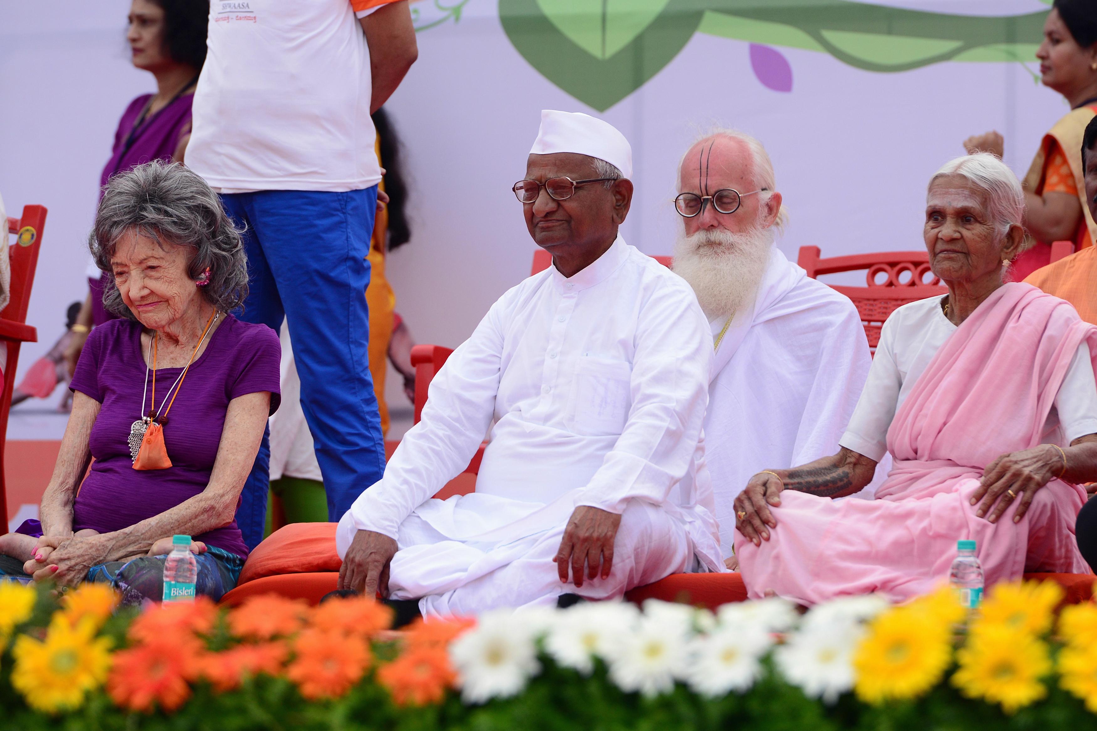 99 éves korában elhunyt India legidősebb jógaoktatója