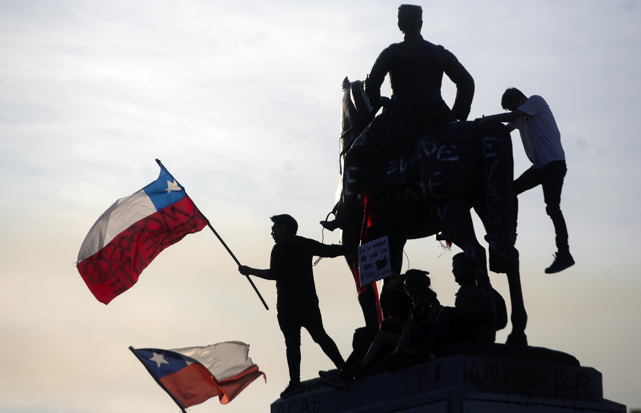 Az elnök feloldotta a rendkívüli állapotot Chilében