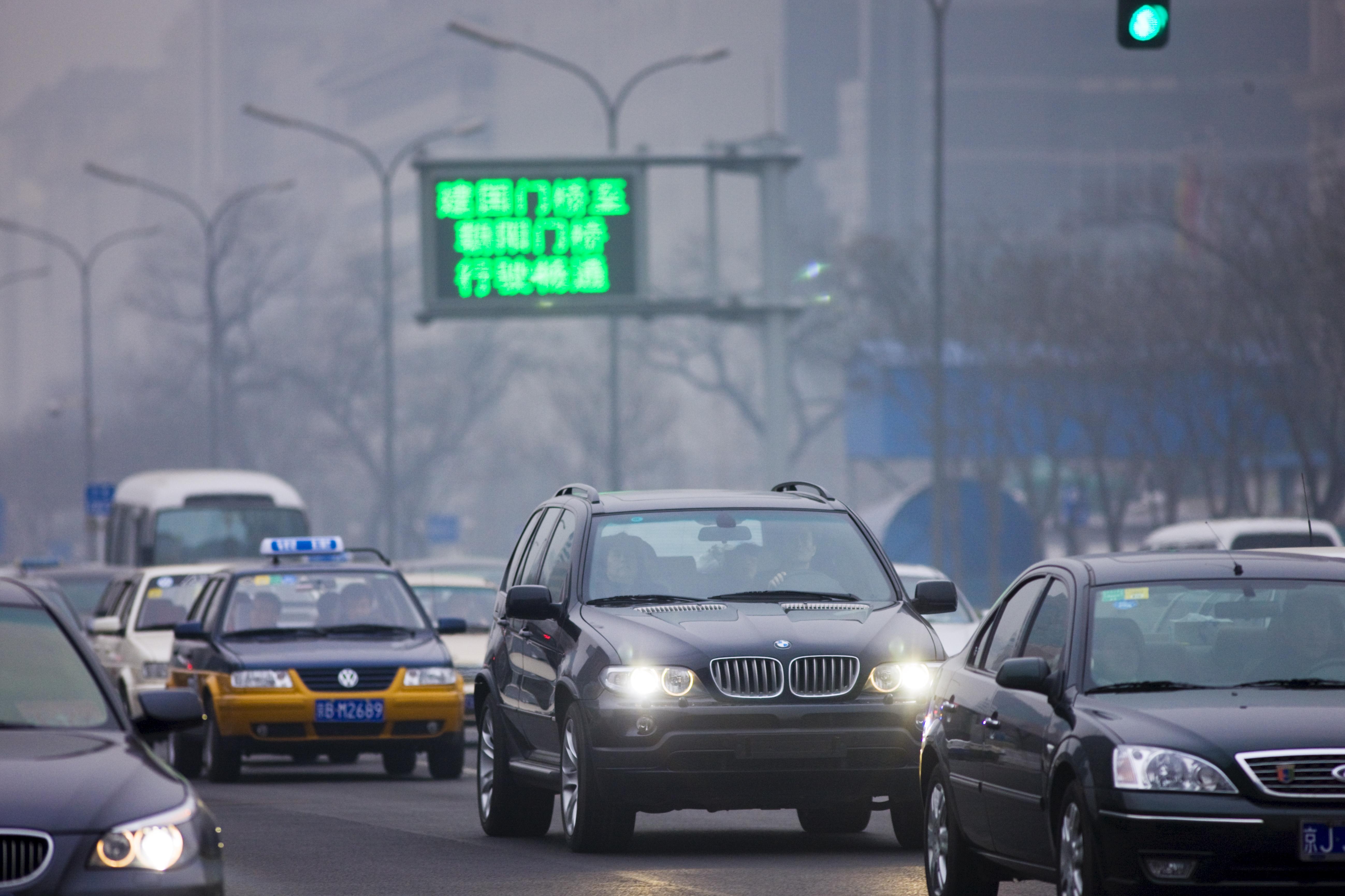 Az utcai terepjárók terjedése a 2. legfőbb oka a szén-dioxid-kibocsátás növekedésének