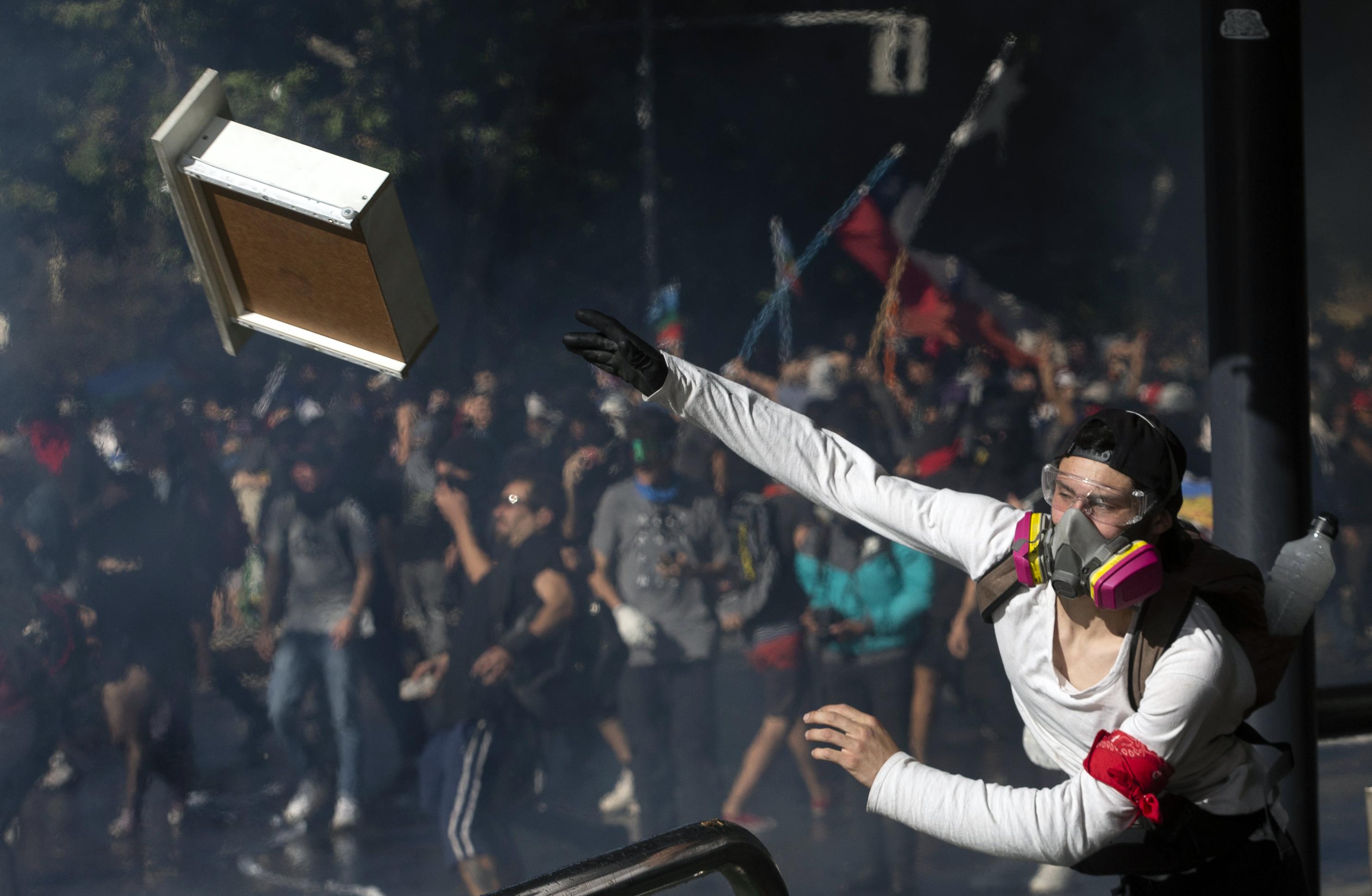 Elemi erővel törtek felszínre a chilei gazdasági siker mögötti brutális egyenlőtlenségek