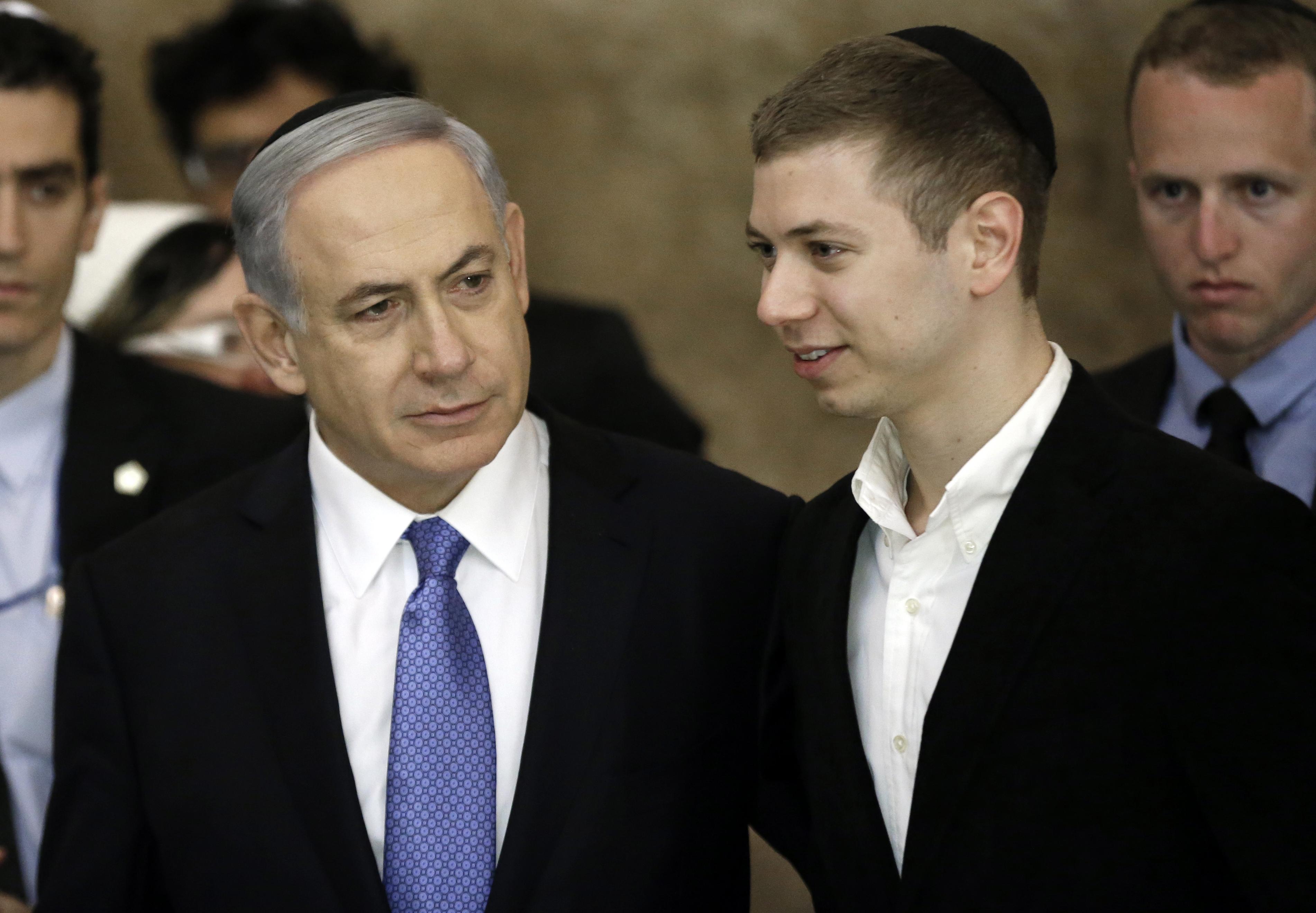 Netanjahu fia Sorost, a civileket és a médiát szidta Schmidt Mária rendezvényén