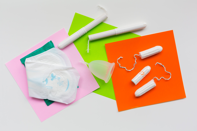 Elkaszálták a fideszes tagok a női higiéniai termékek áfacsökkentésének kérdését