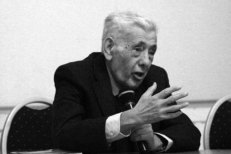 Elhunyt Huszár Tibor szociológus