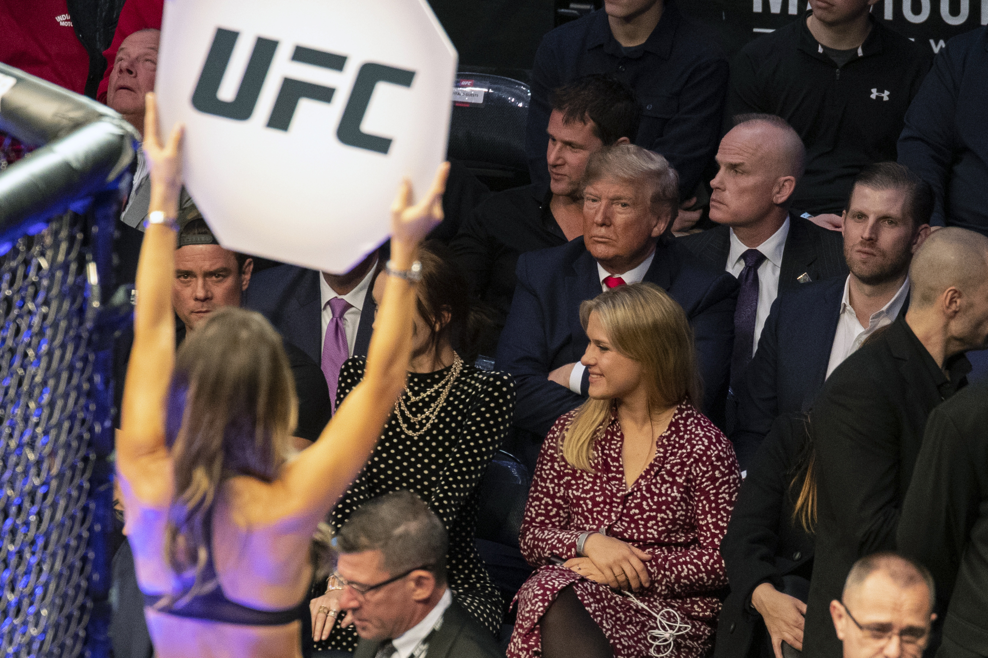 Sokan fújolással köszöntötték Trumpot a UFC New York-i gáláján