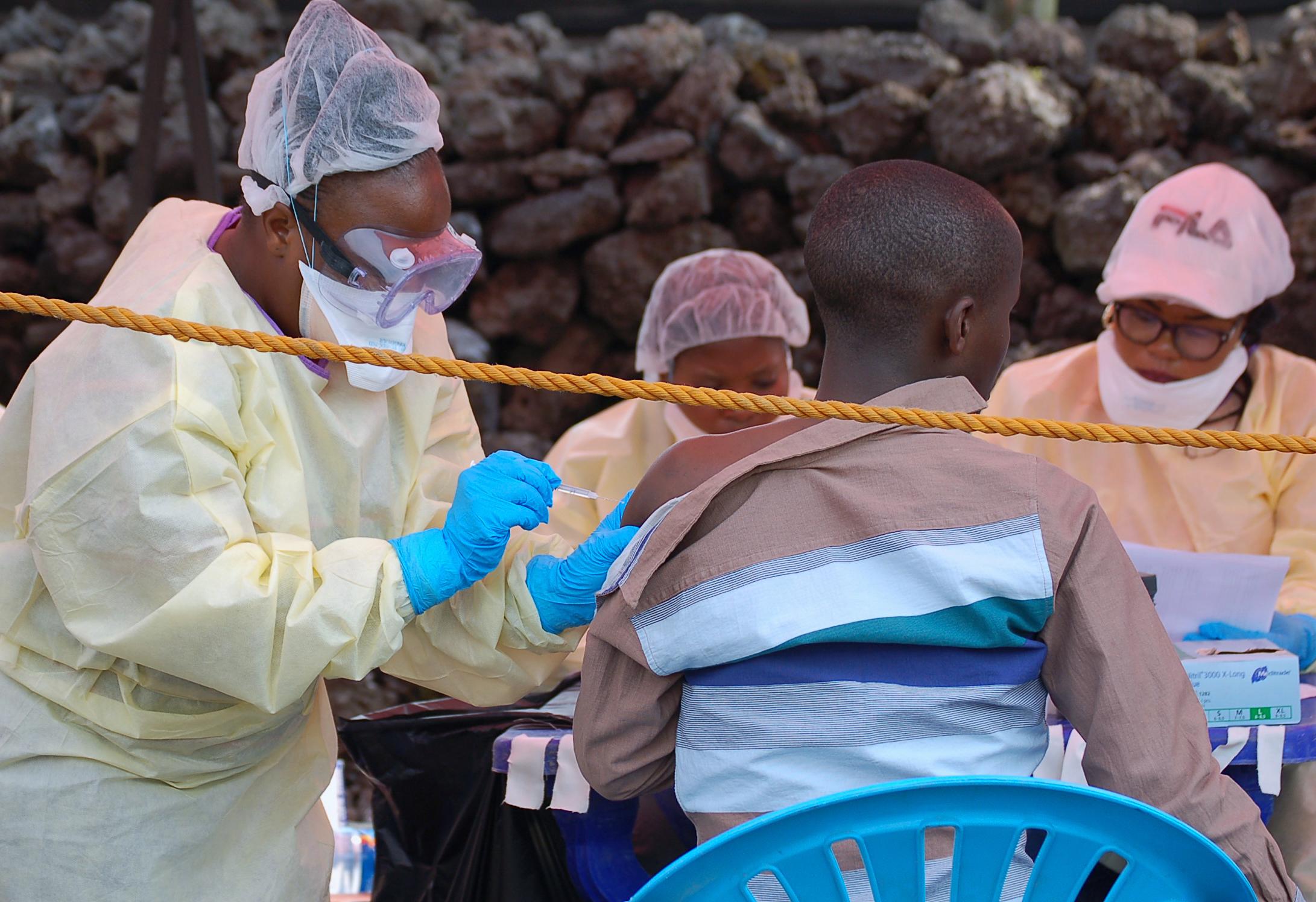 Otthonában gyilkoltak meg egy ebola ellen küzdő újságírót Kongóban