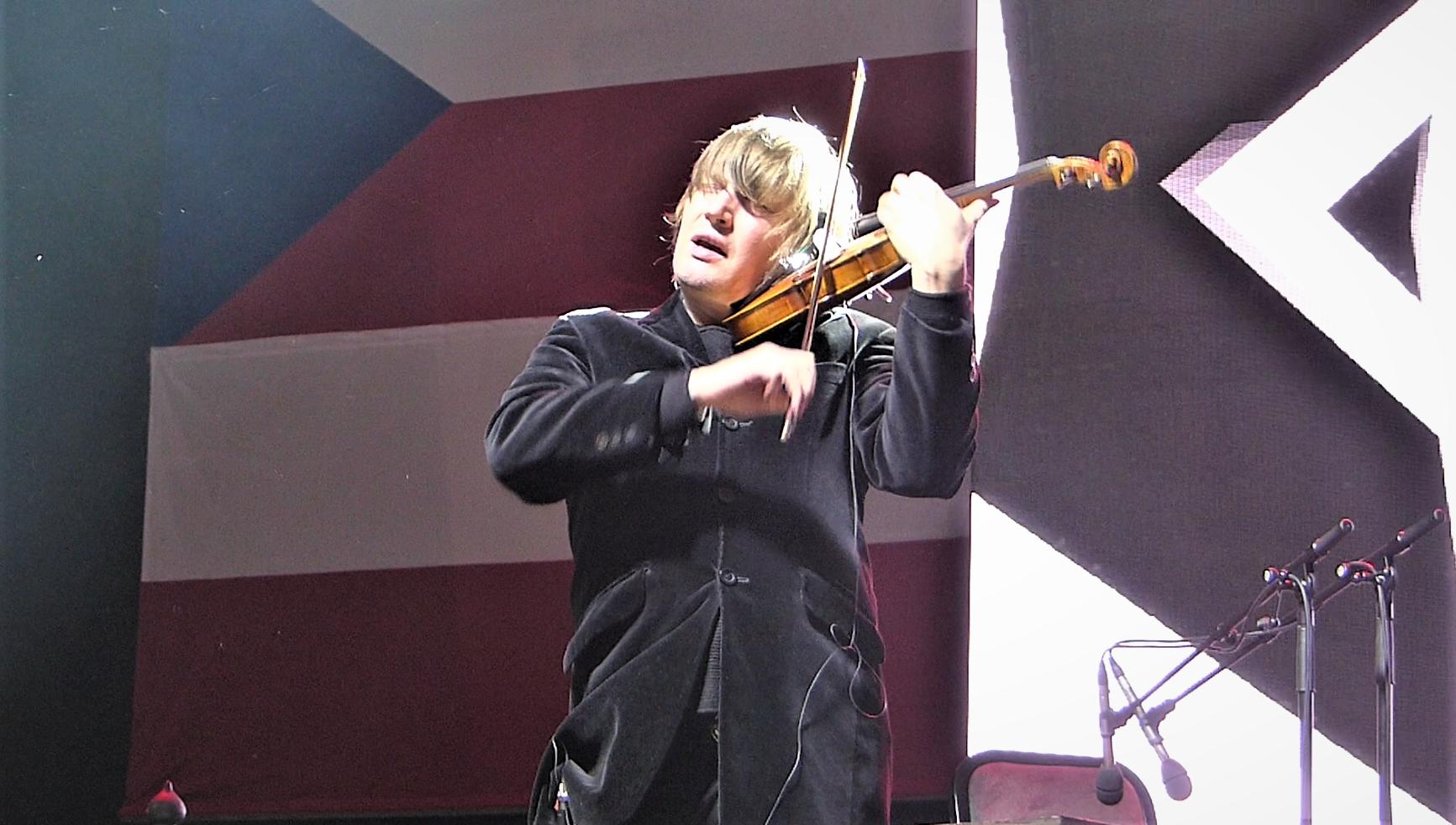 Ellopták Lajkó Félix 160 milliós hegedűjét