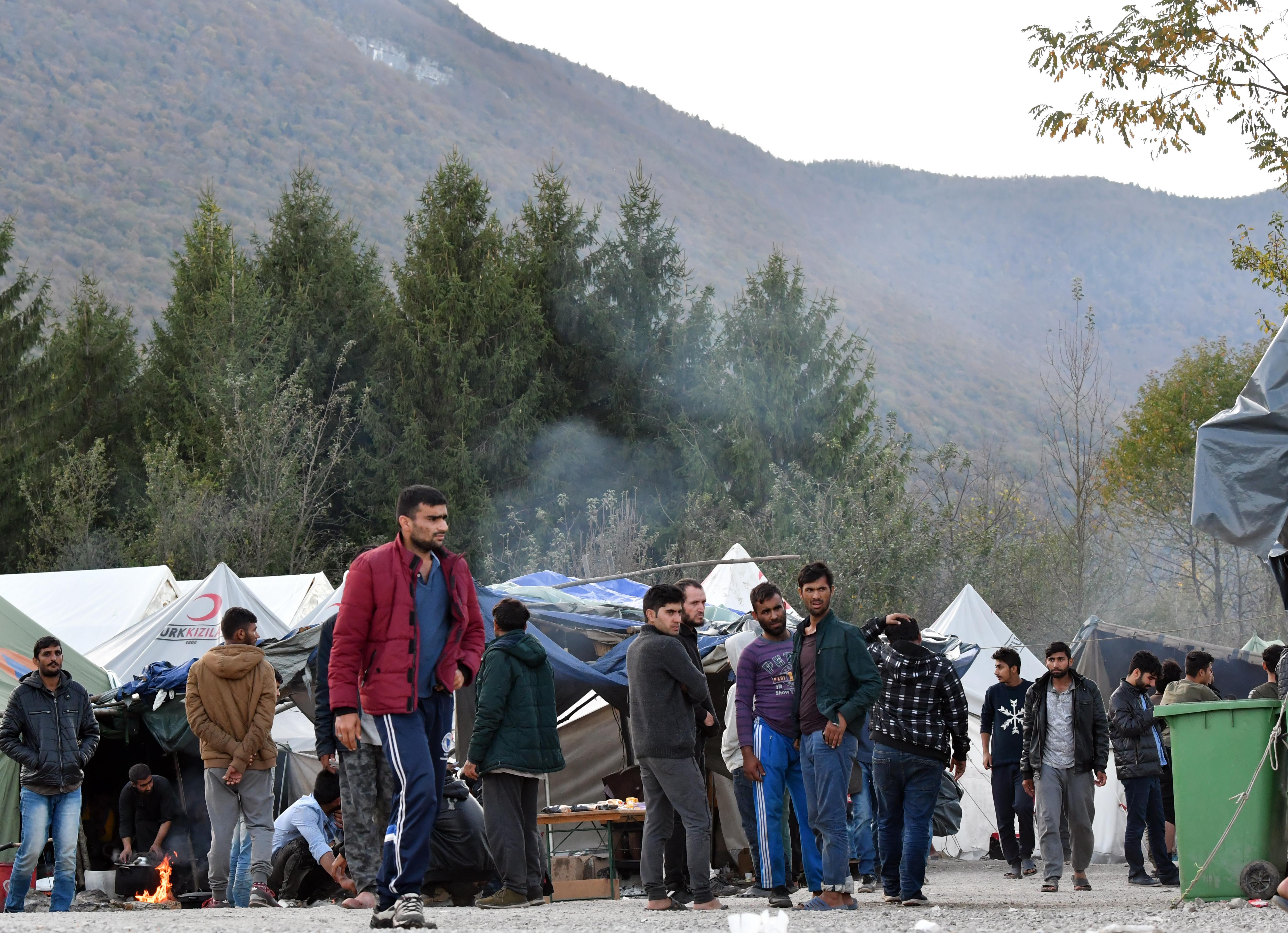 Egy boszniai menekülttábor bezárását kéri az EU