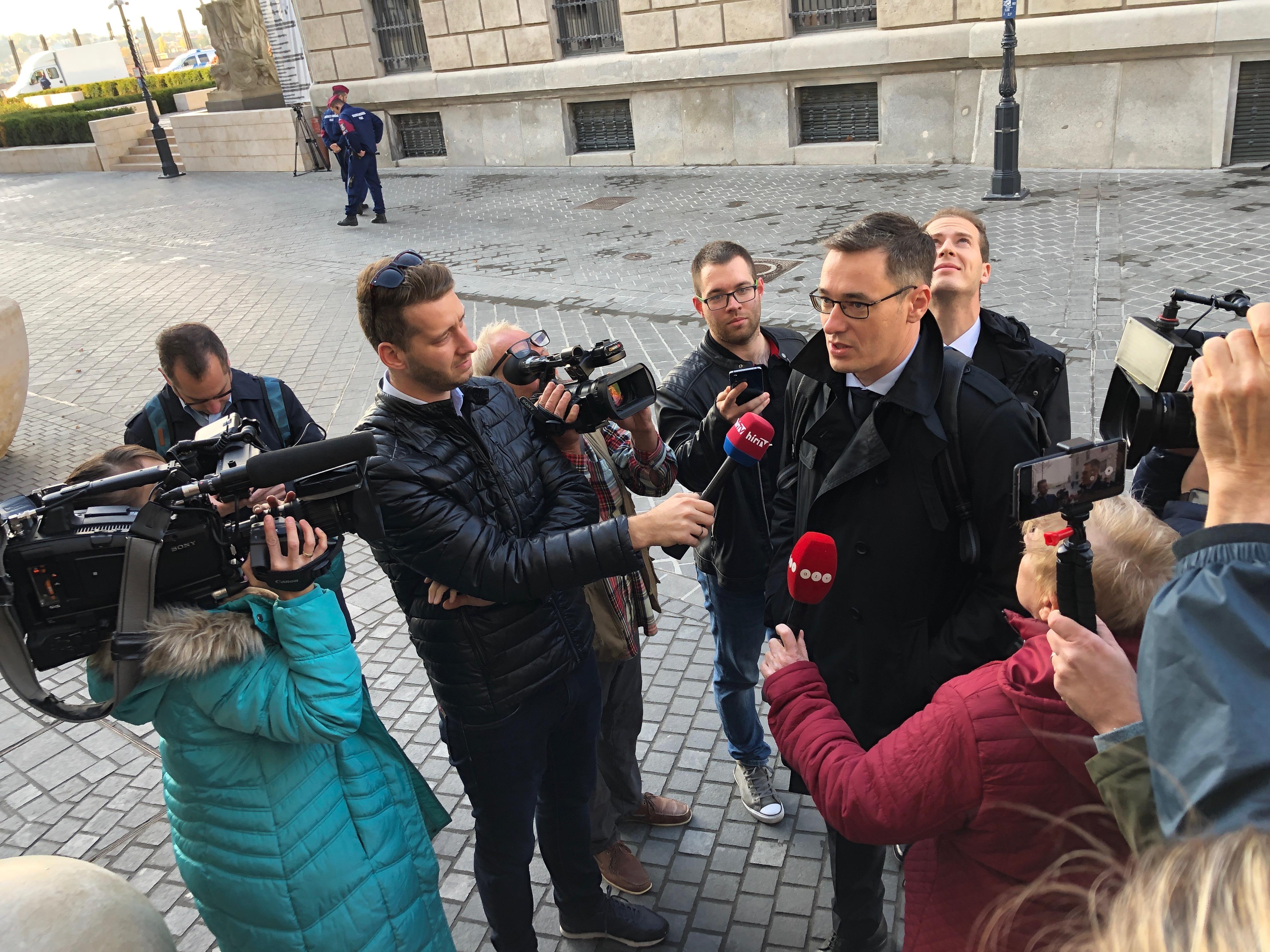 Karácsony besétált Orbán irodájába, a miniszterek csak utána érkeztek