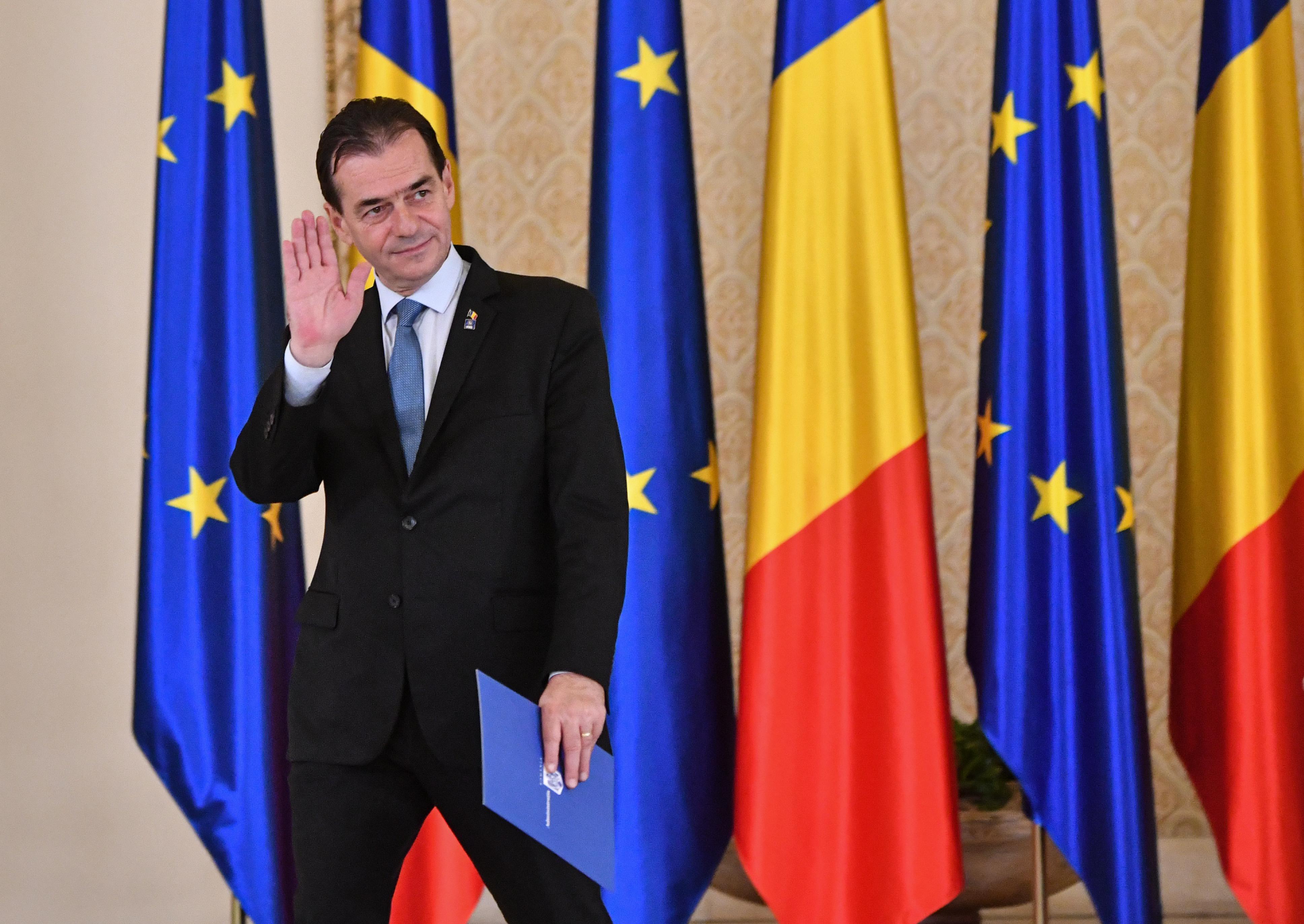 Orbannak mennie kell: megbukott a román kormány
