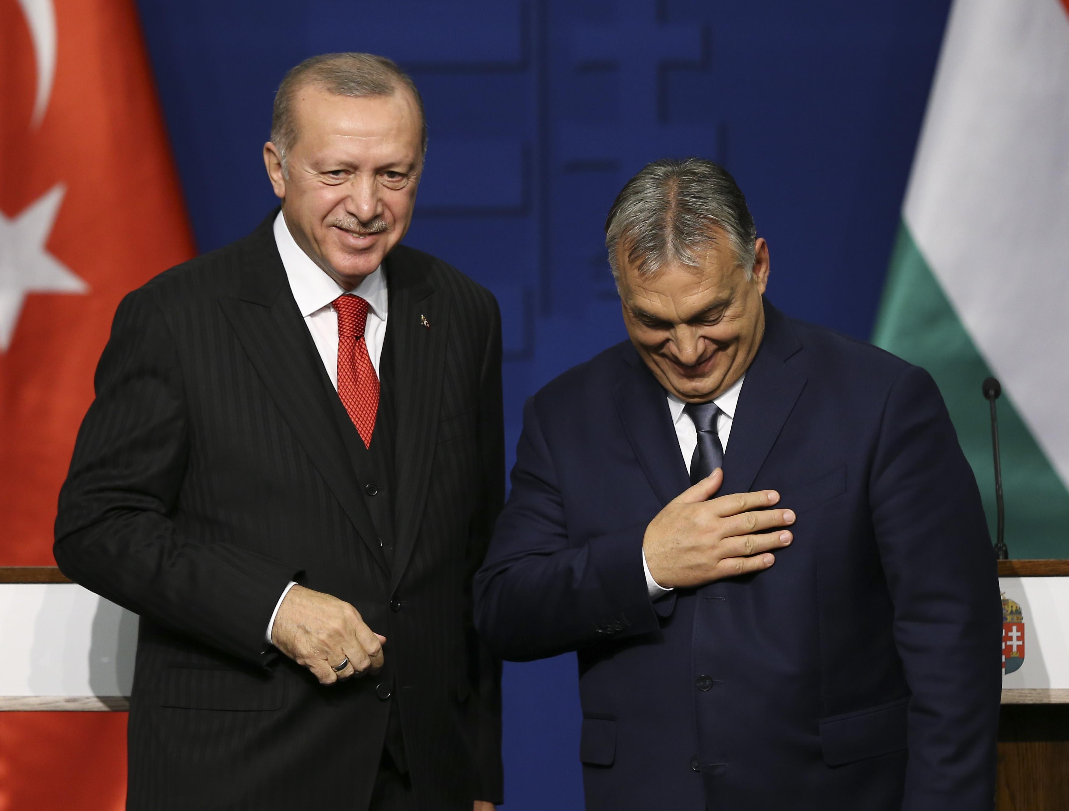 A török külügyminiszter szerint többet és gyorsabban kéne fizetnie az EU-nak a szíriai menekültek ellátásáért