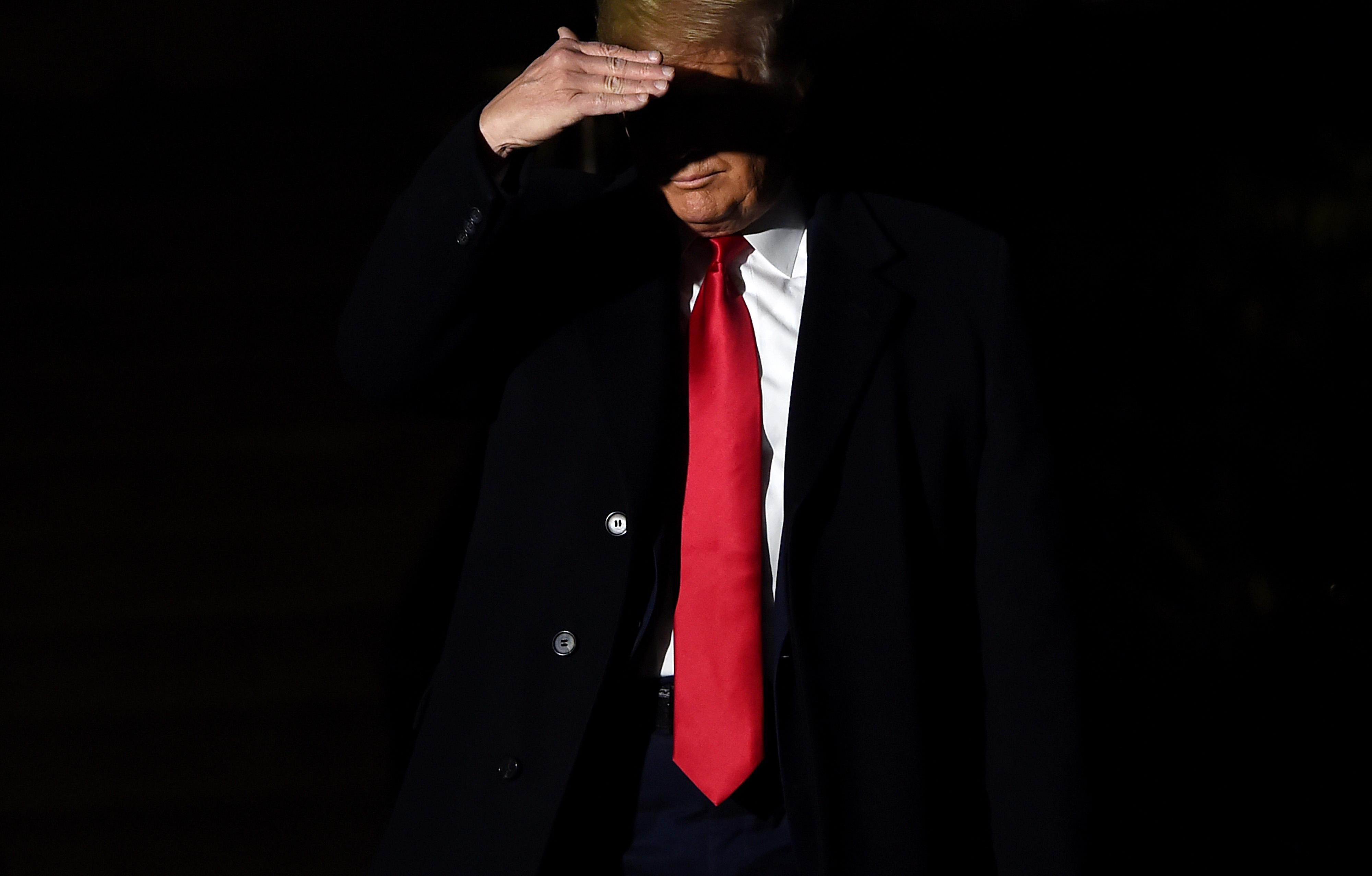 A demokraták szerint Trump visszaélt hatalmával és akadályozta a törvényhozók vizsgálatát