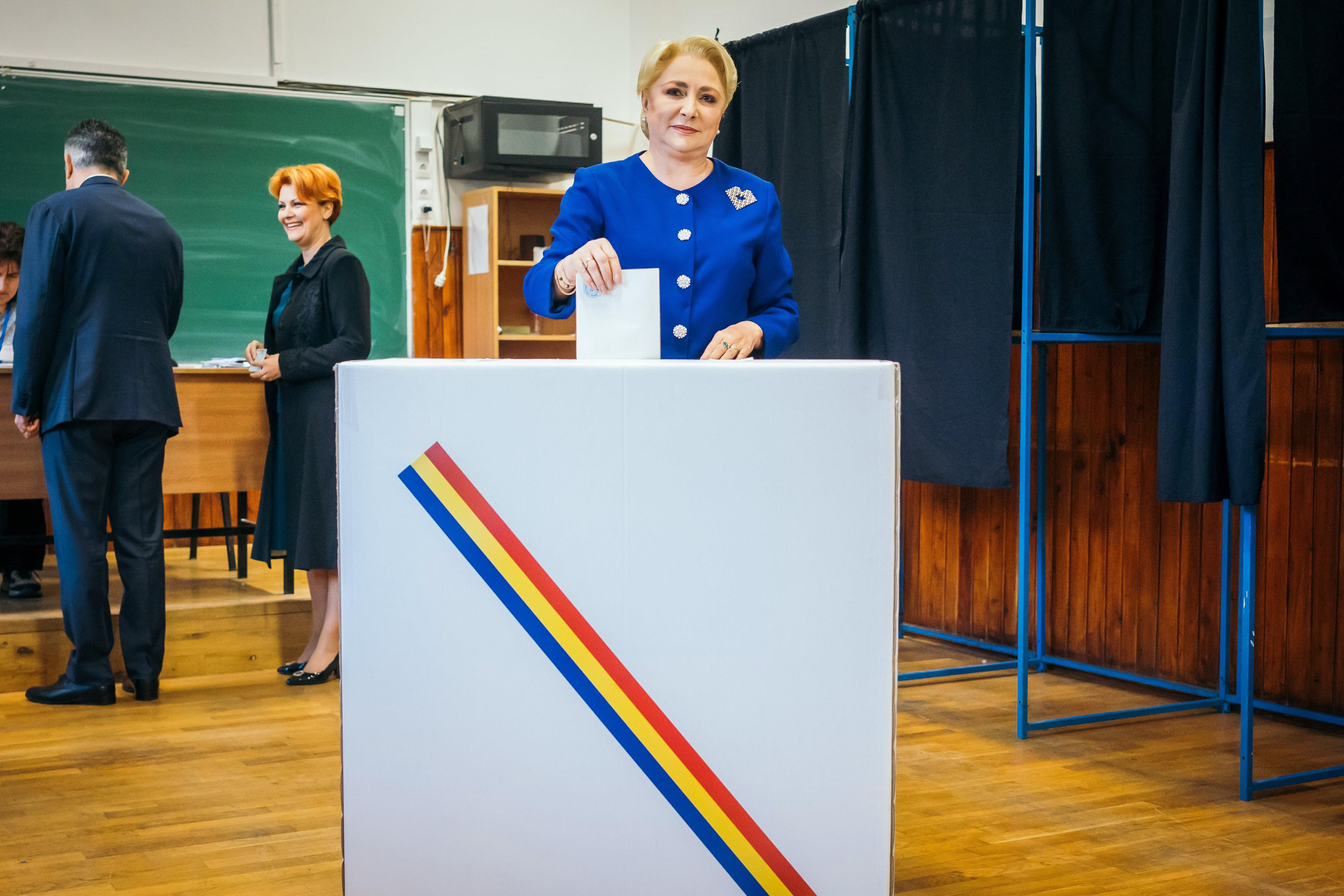 Országosan többen, a magyar lakta területeken az átlagnál kevesebben szavaznak a romániai elnökválasztáson