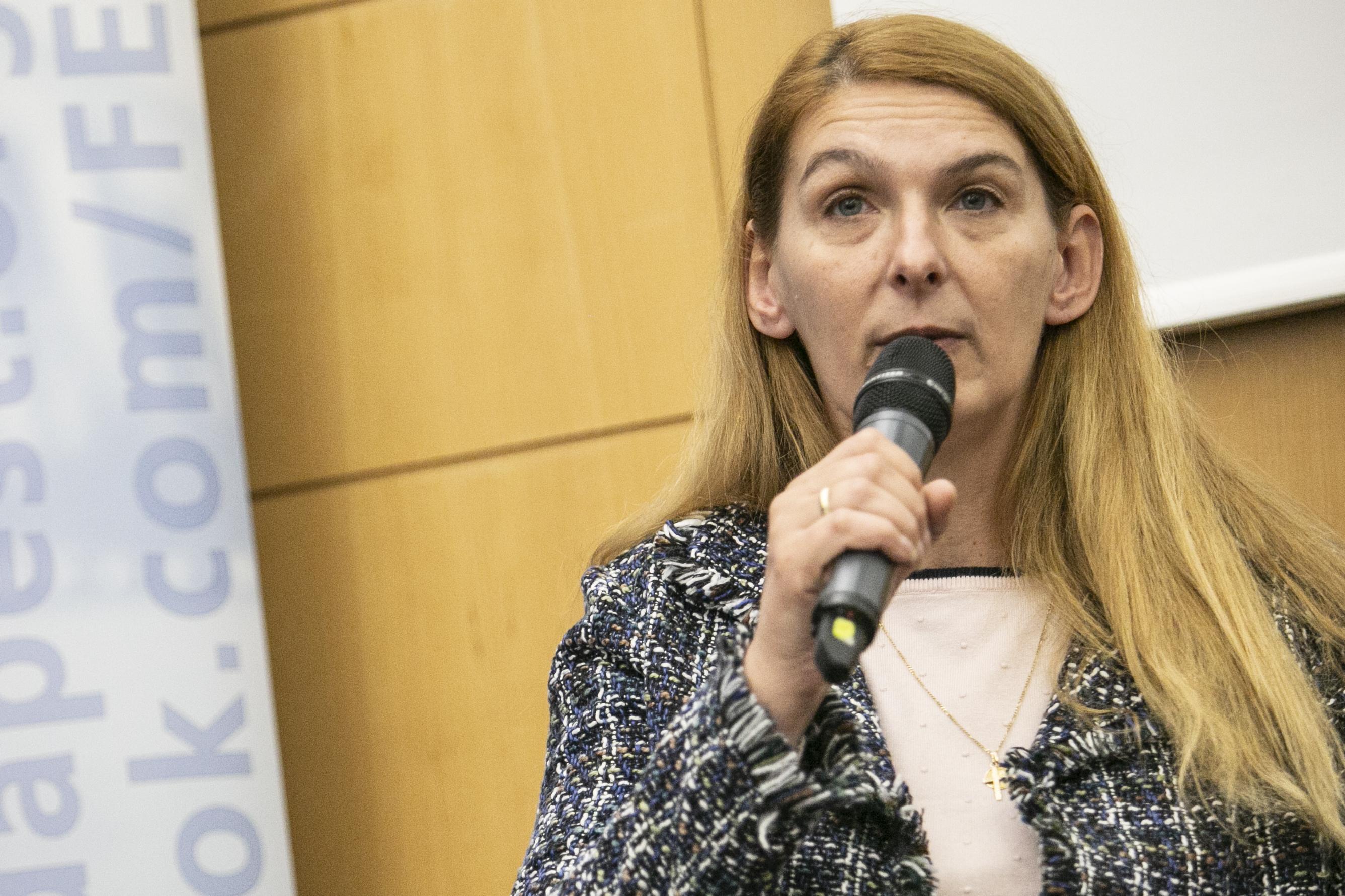 Baranyi Krisztina védett lakásokat jelöl ki Ferencvárosban a családon belüli erőszak áldozatainak
