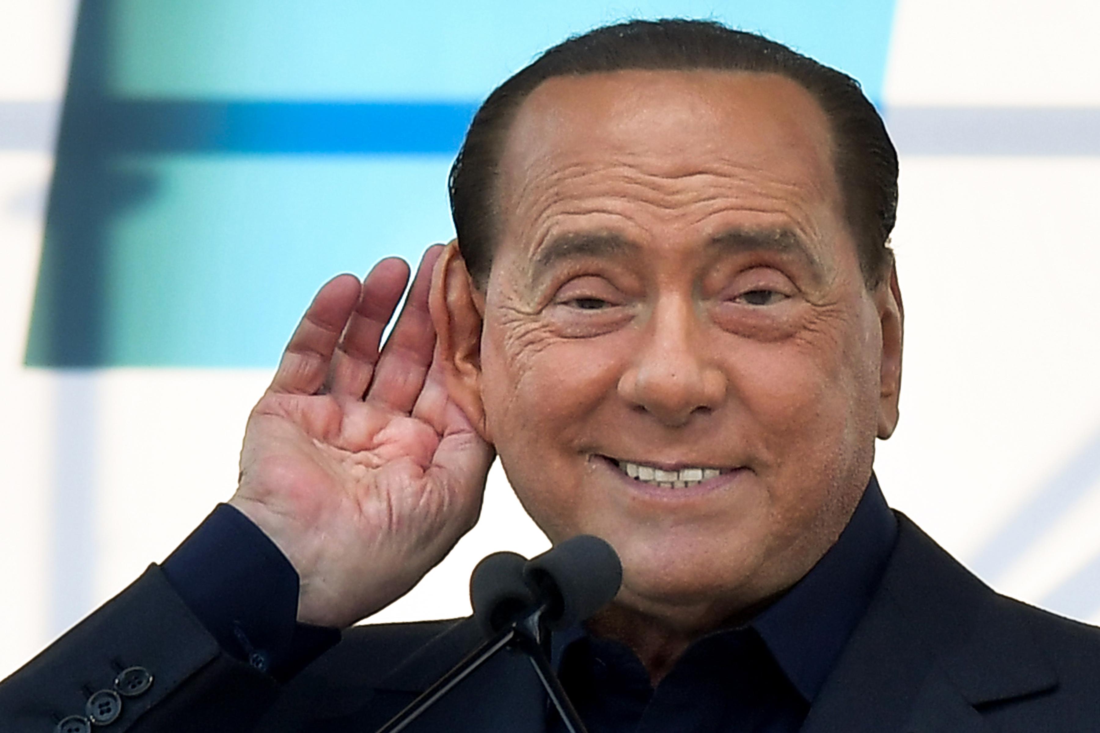 Berlusconi inkább csak hallgatott a szicíliai maffiaperben