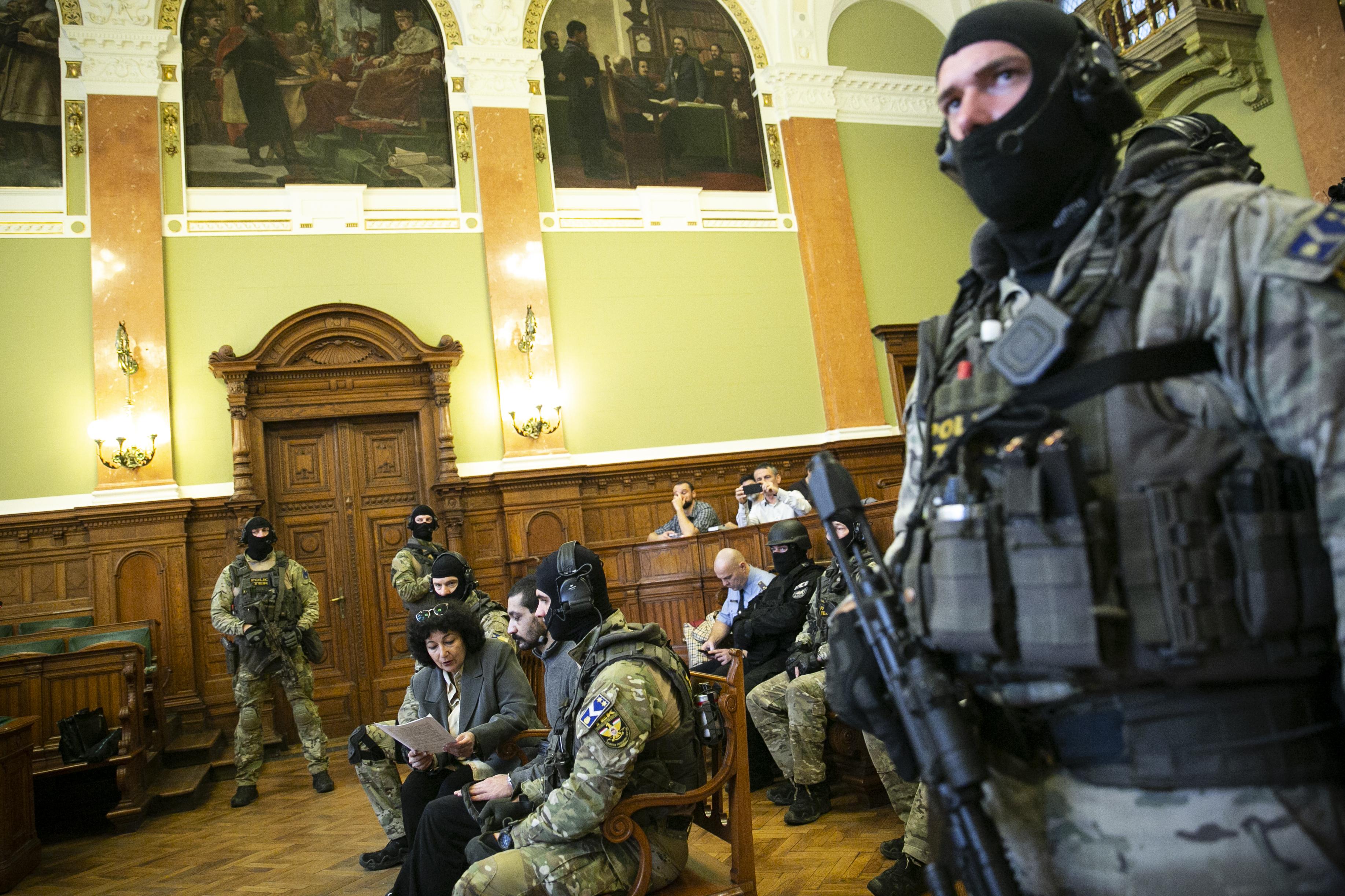 Hirtelen négymilliárd forint pluszpénzt adott a kormány terrorellenes intézkedésekre