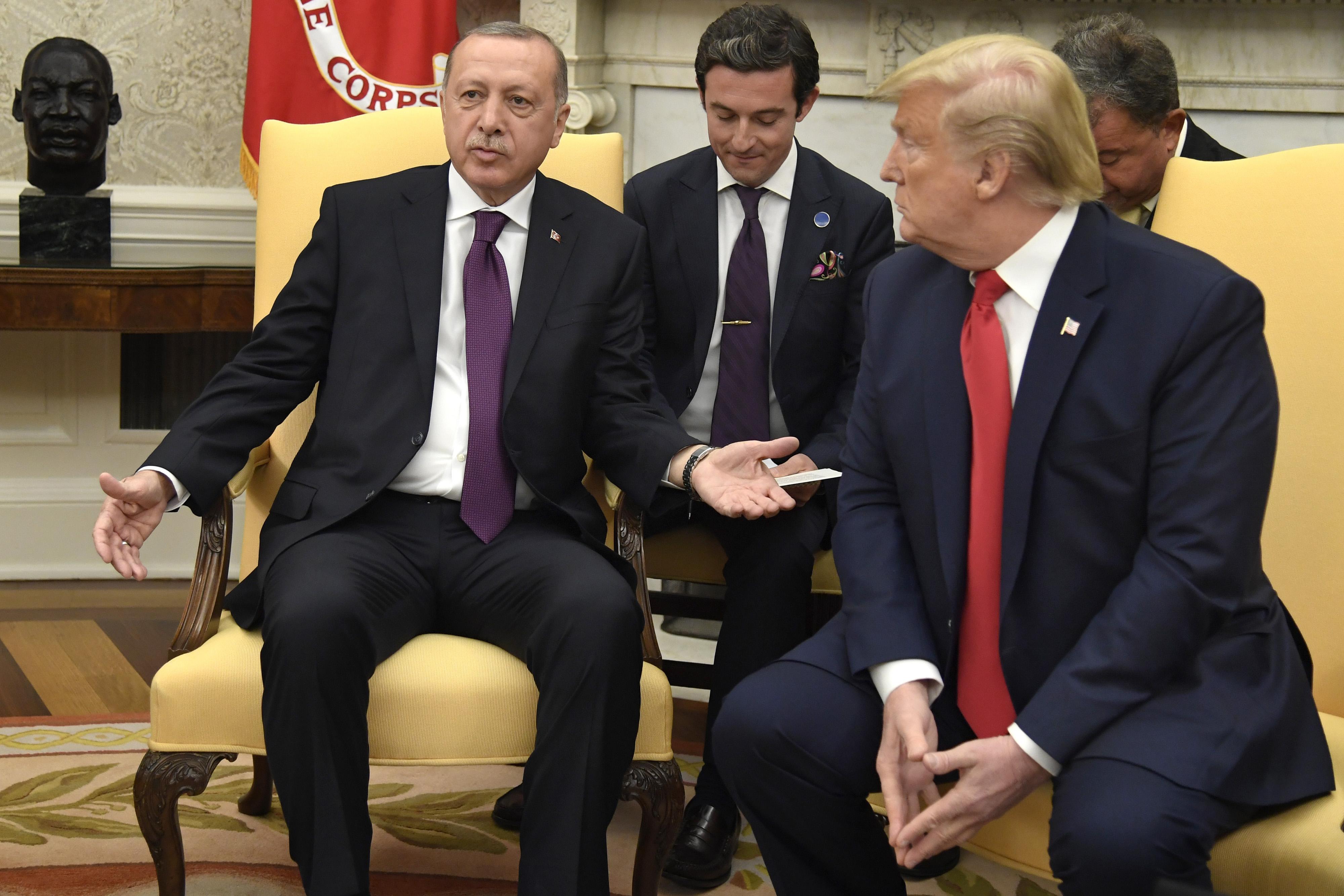 Trump fogadta Erdogant, akit régi jó barátjának nevezett
