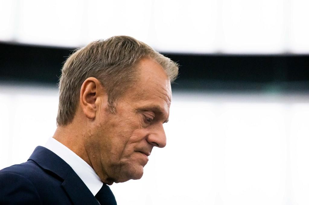 Donald Tusk azzal búcsúzott, hogy ne hallgasson senki Orbánra, a legjobban az oroszoktól kell ugyanis tartani
