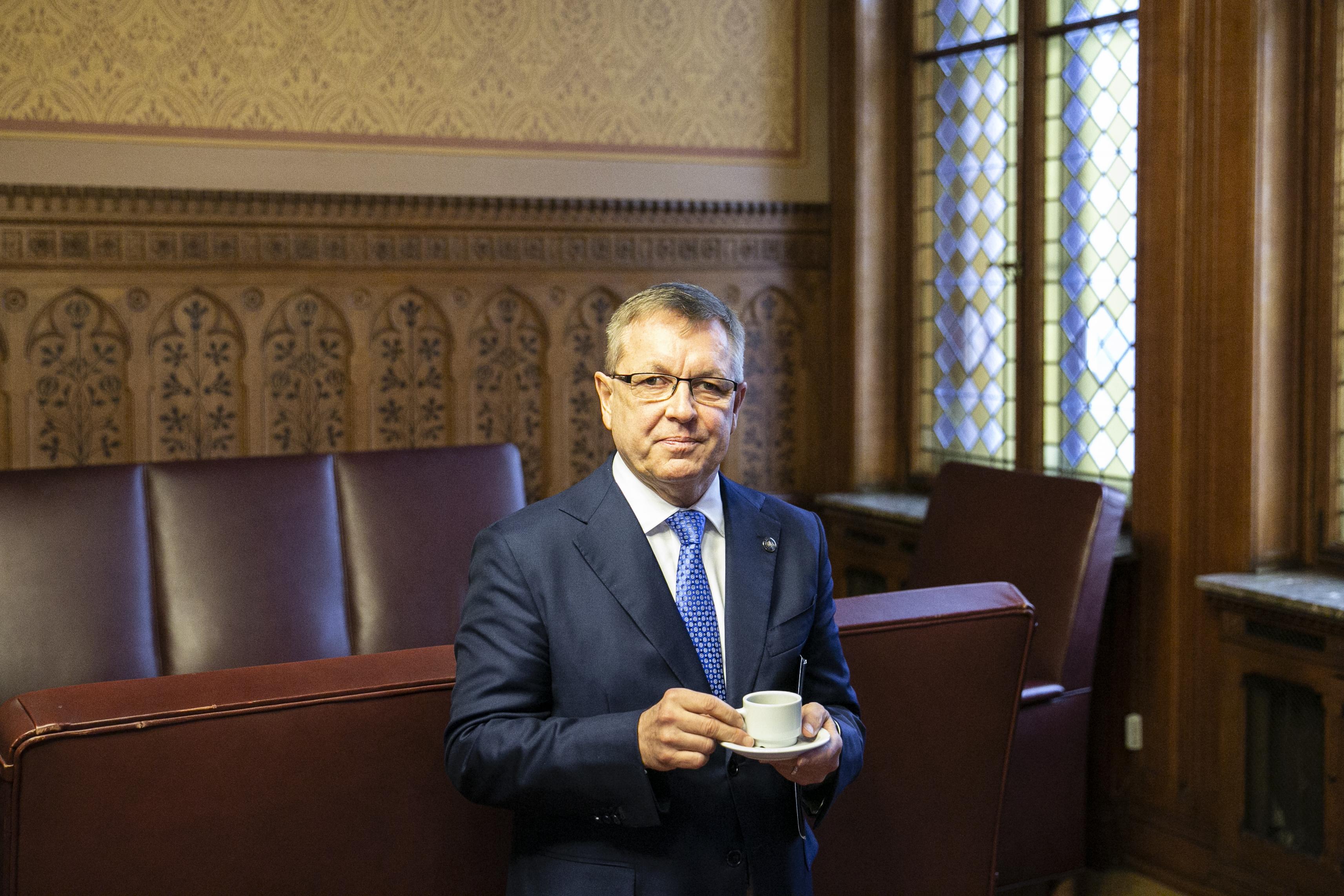 Matolcsy szerint nem mondhatja el, hogy vizsgálják-e Varga Judit ingatlanhitelét, mert ez banktitoknak minősül